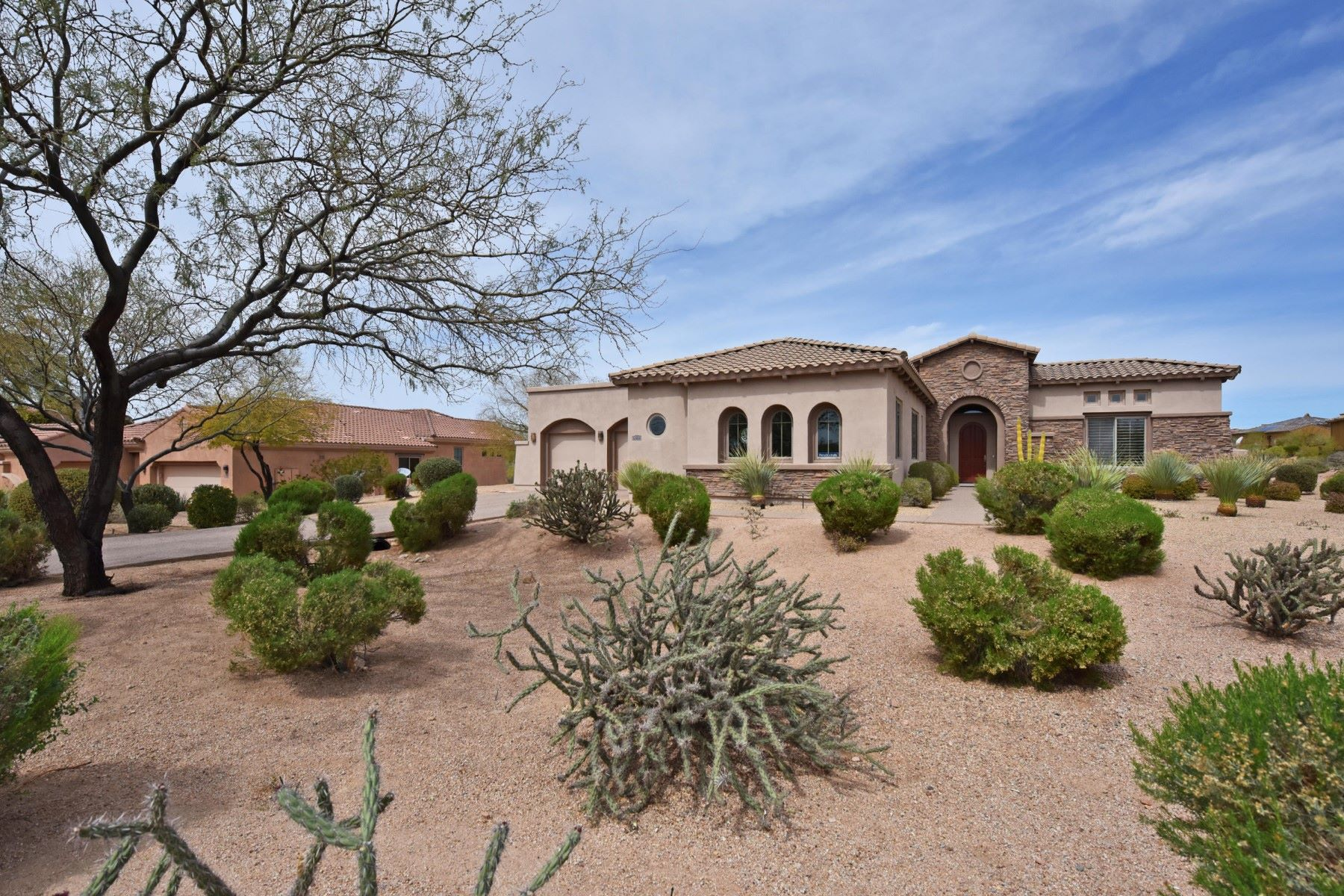 Частный односемейный дом для того Продажа на Beautiful Toll Brothers Home in the Gated Area of Treviso 10934 E La Verna Way E, Scottsdale, Аризона, 85262 Соединенные Штаты