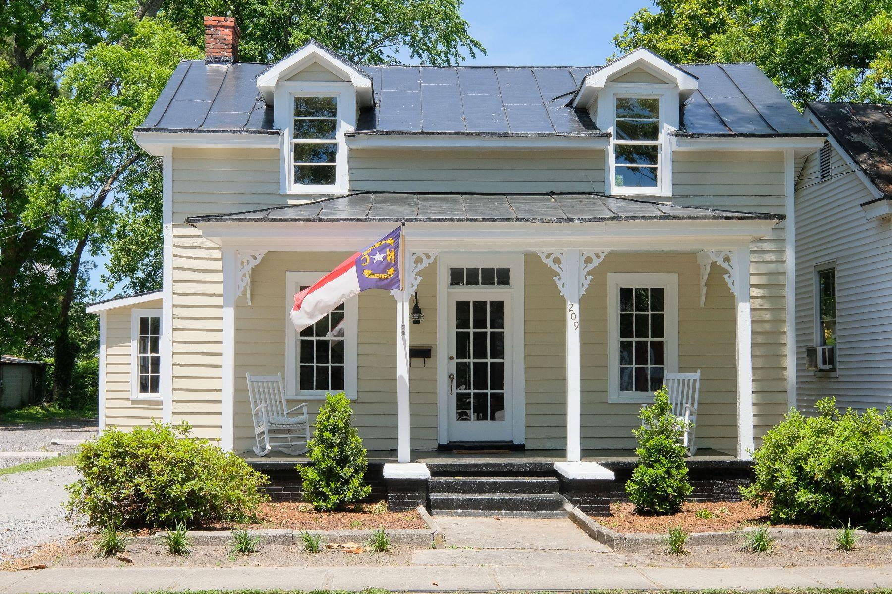 Частный односемейный дом для того Продажа на TOTAL RESTORATION! 209 E Church St Edenton, Северная Каролина 27932 Соединенные Штаты