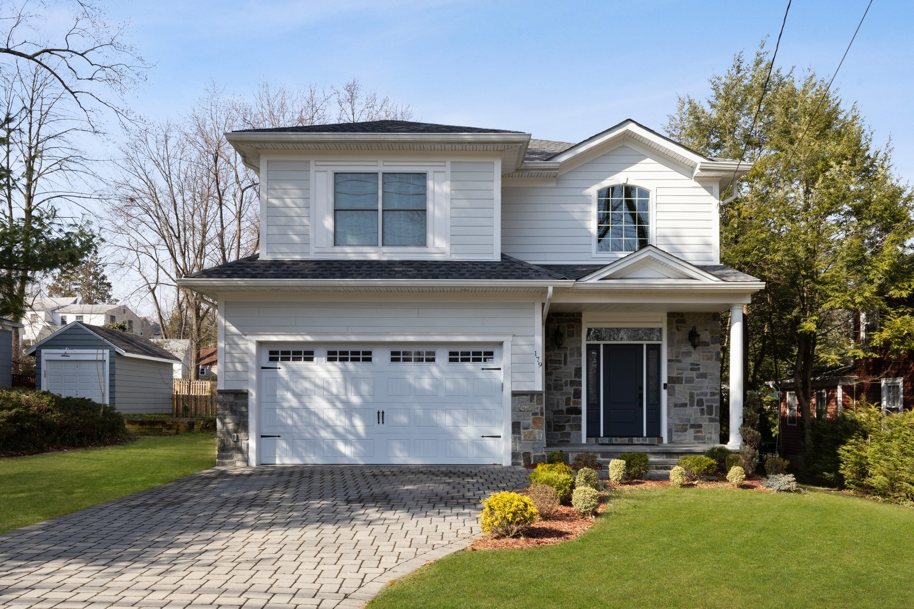 Single Family Homes for Sale at Stunning! 179 Riveredge Rd Tenafly, New Jersey 07670 United States