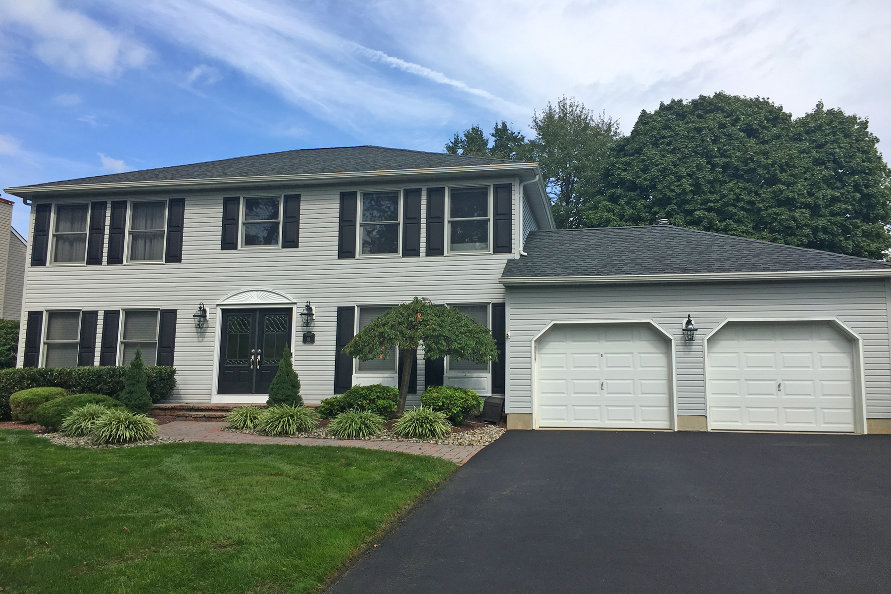 Single Family Home for Sale at Beautifully Appointed Colonial In Heather Ridge 18 Sunny Woods Lane, Jackson, New Jersey 08527 United States