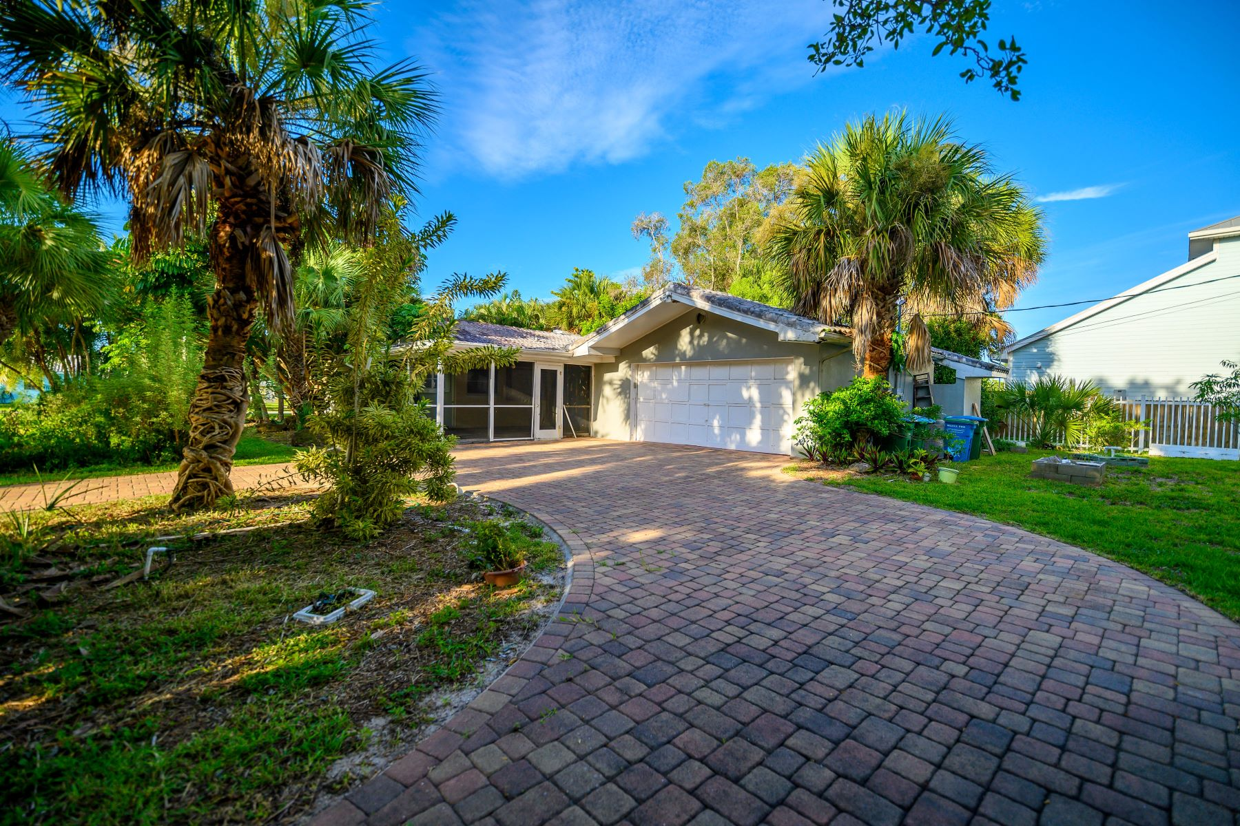 Additional photo for property listing at Prime Location in The Town of Melbourne Beach 500 First Avenue Melbourne Beach, Florida 32951 United States