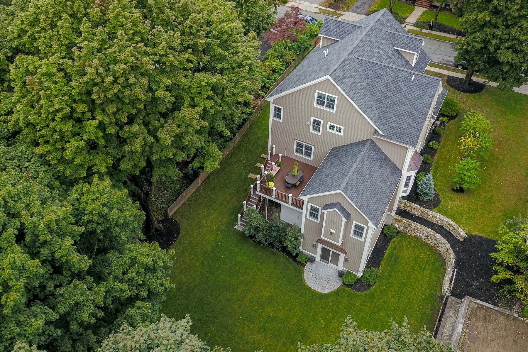 Single Family Homes for Active at Well-Crafted Unconventional Colonial with 14 Rooms 6 Thornton Road Winchester, Massachusetts 01890 United States