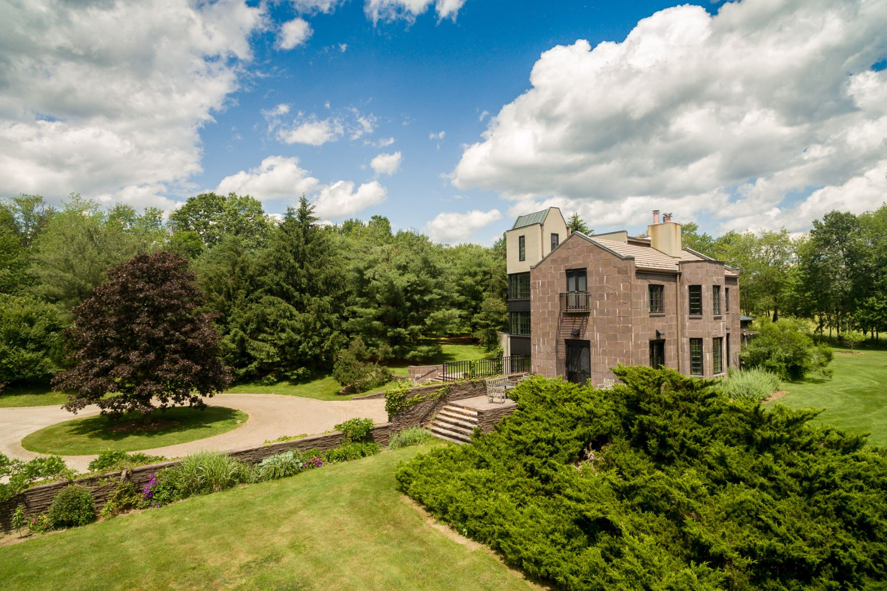 Additional photo for property listing at Tower Hall 35 Killearn Road Millbrook, New York 12545 United States