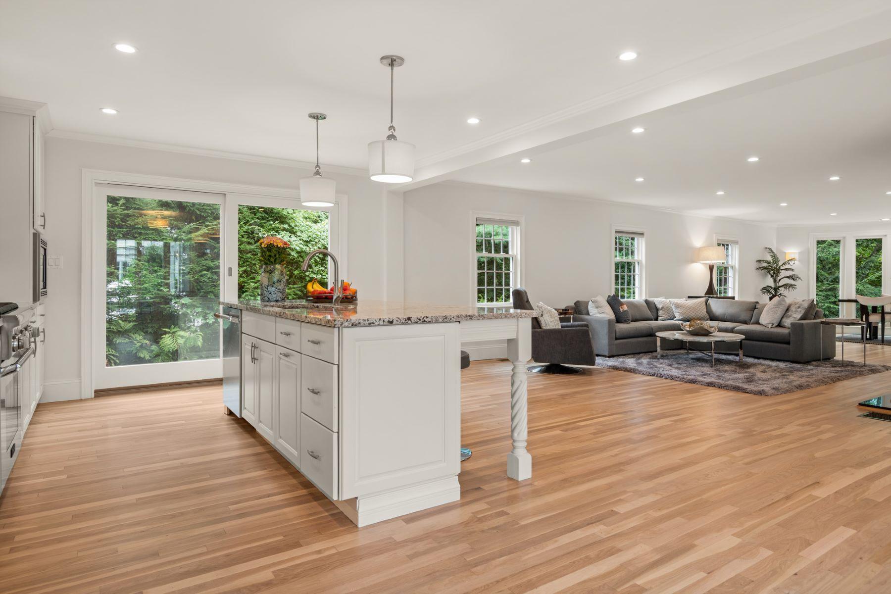 Condominiums pour l Vente à 66 Fairgreen Pl 66 Brookline, Massachusetts 02467 États-Unis
