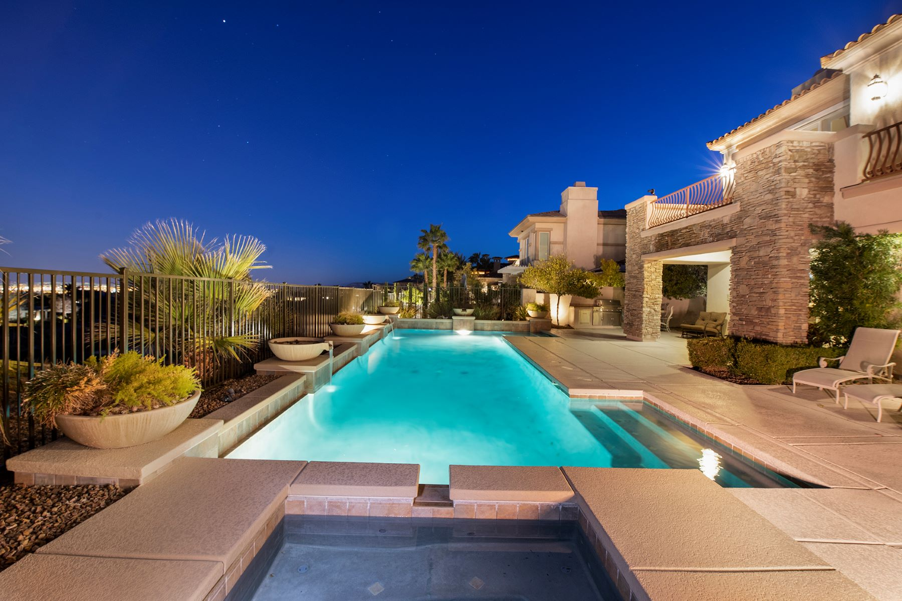Single Family Homes for Sale at 2906 Red Arrow Drive Las Vegas, Nevada 89135 United States