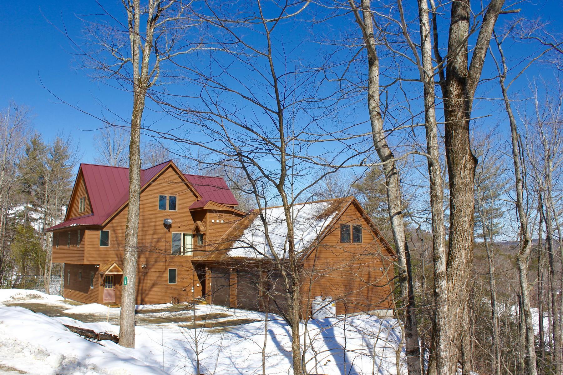 Maison unifamiliale pour l Vente à Okemo Ski Home 134 North Village Ludlow, Vermont 05149 États-Unis
