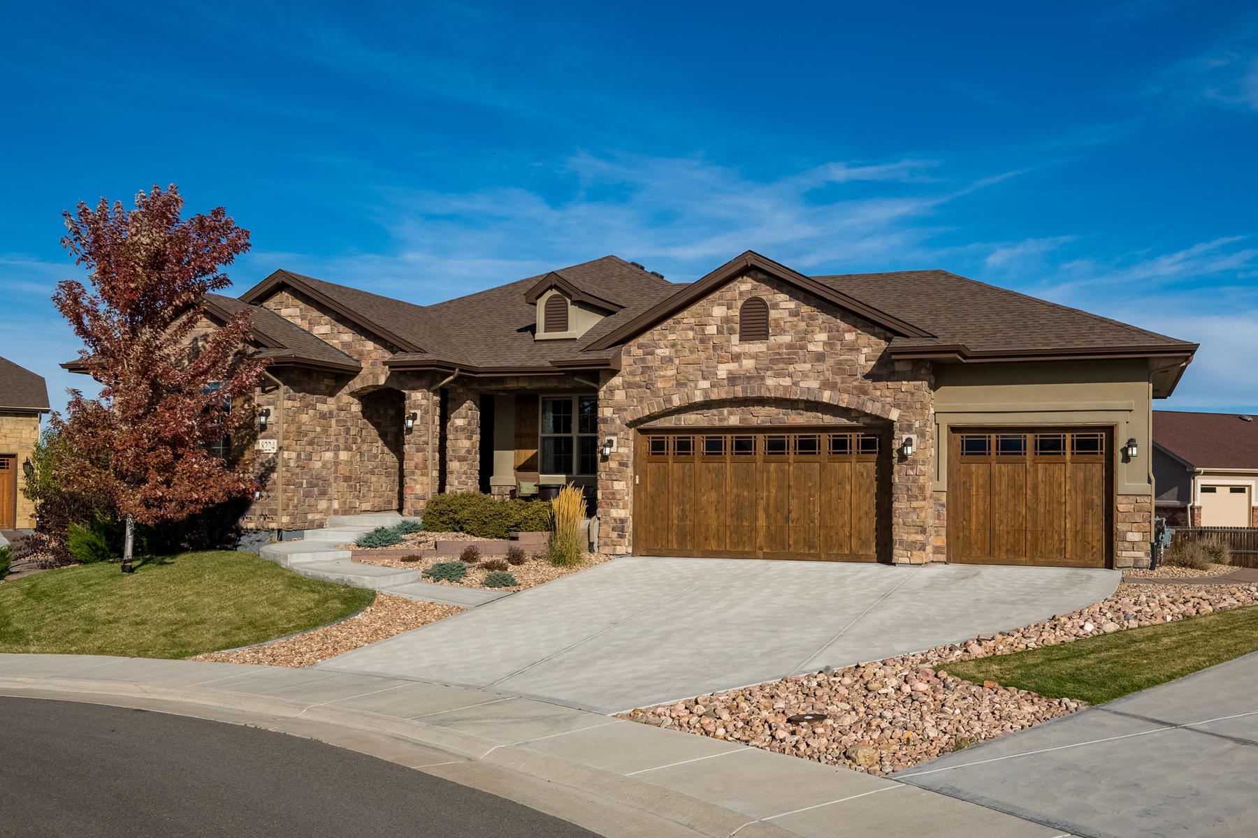 Single Family Homes 为 销售 在 Stunning and Luxurious Ranch Home in Arvada! 8224 Ward Lane 阿瓦达, 科罗拉多州 80005 美国
