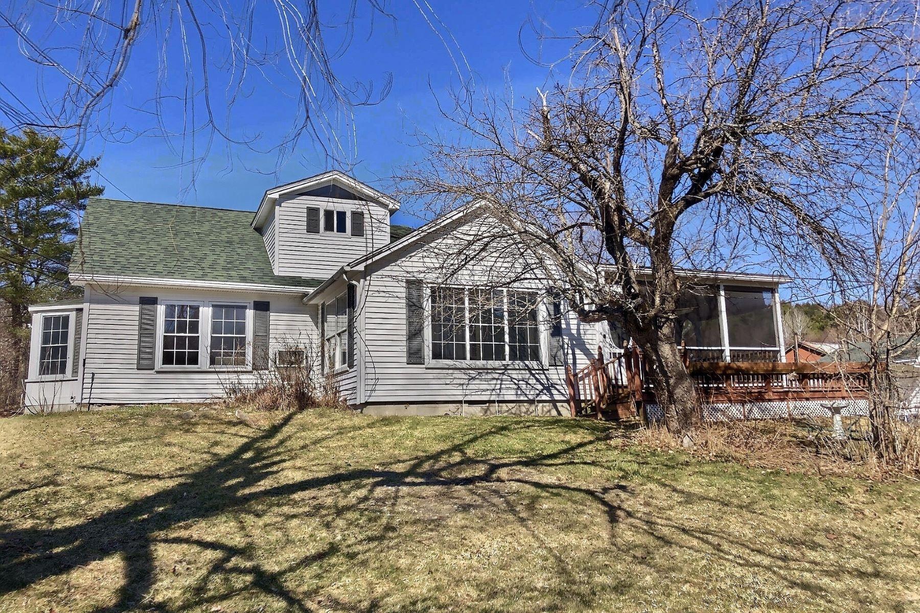 Single Family Homes 为 销售 在 12 Codfish Hill Road 迦南, 新罕布什尔州 03741 美国