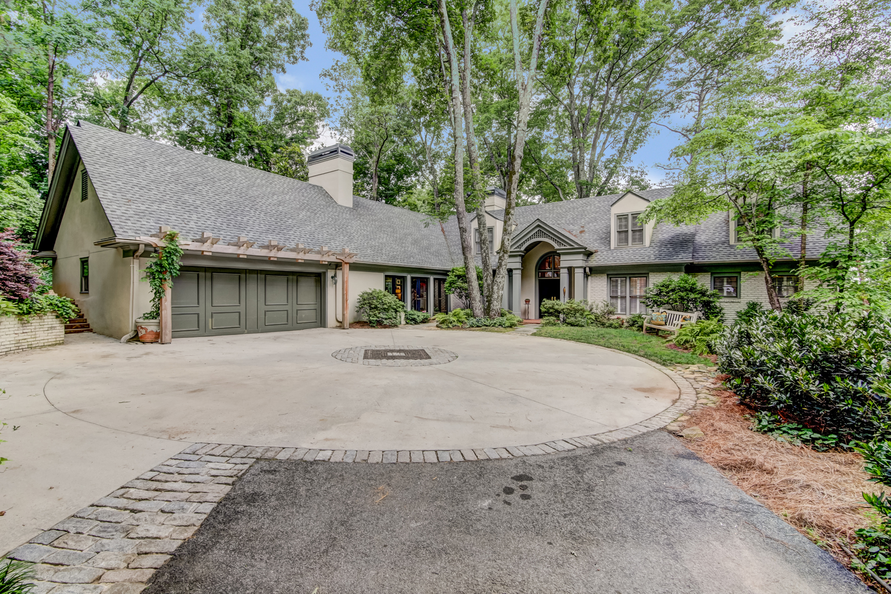 Single Family Home for Sale at Secluded Home Overlooking the Chattahoochee River 4990 Riverview Road Atlanta, Georgia 30327 United States