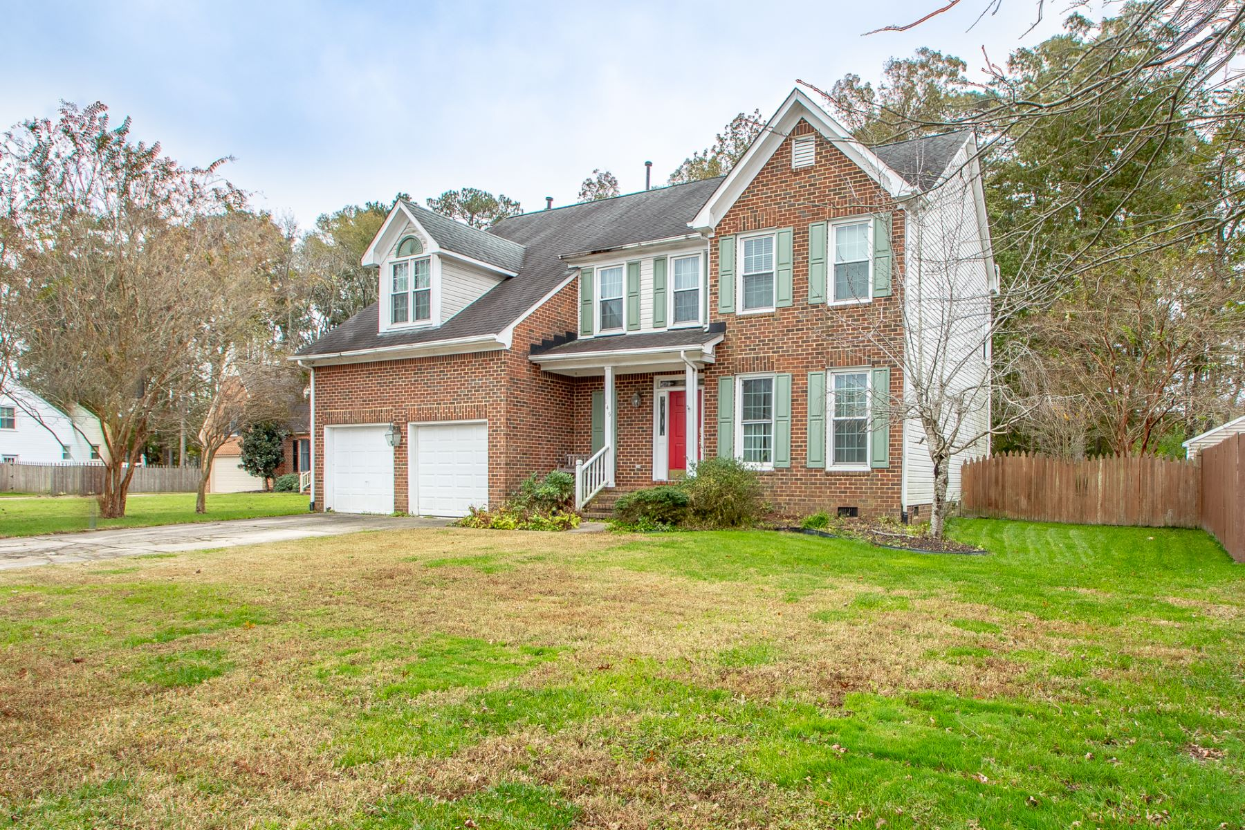 Single Family Homes for Sale at 145 Country Club Boulevard Chesapeake, Virginia 23322 United States