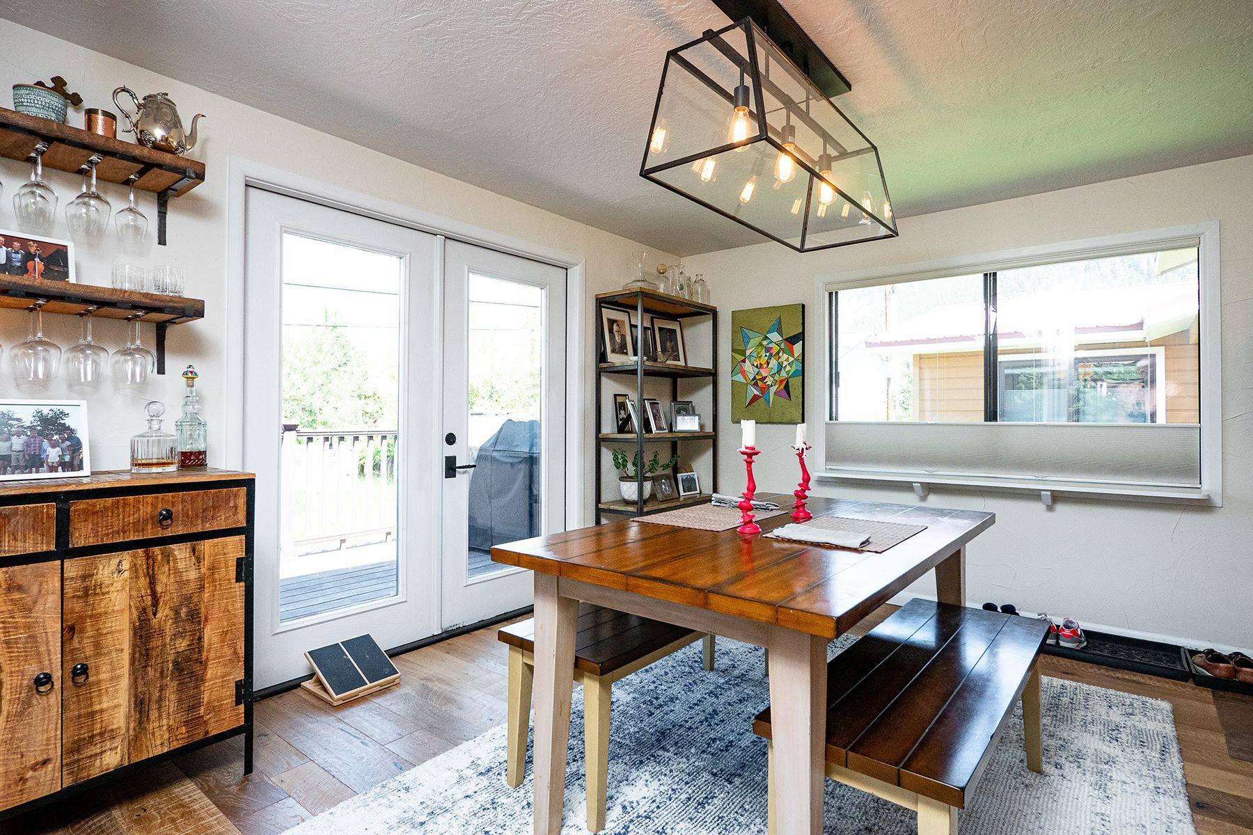Maisons pour l Vente à Tetons In Town 667 E. Simpson, Jackson, Wyoming 83001 États-Unis