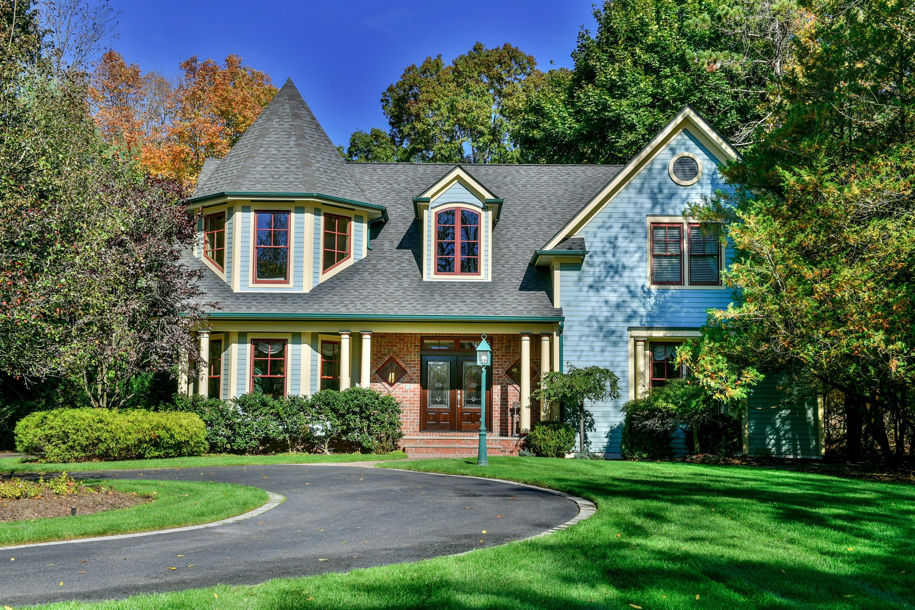 Single Family Home for Sale at Charming Farmhouse Colonial 15 Lower Cross Rd Saddle River, New Jersey 07458 United States