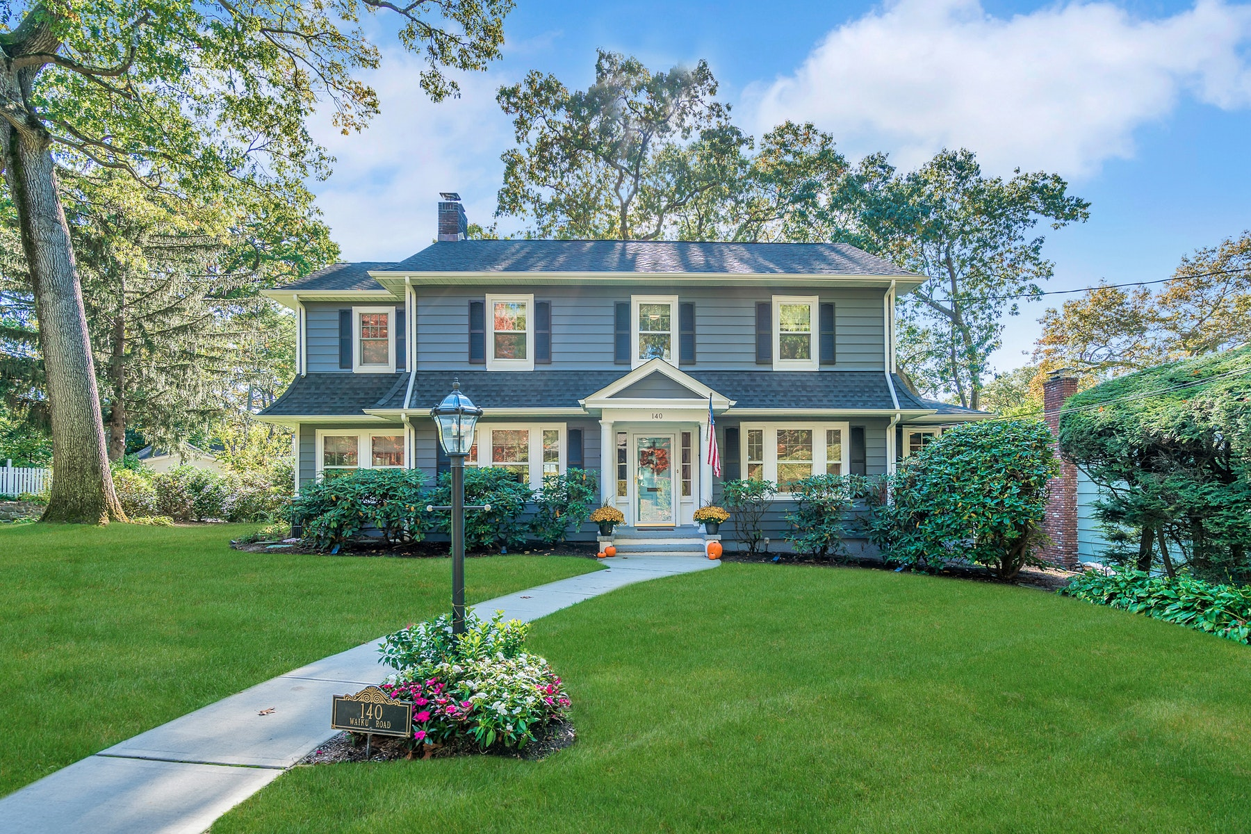 Single Family Homes for Sale at Classic Ridgewood Colonial 140 Waiku Road Ridgewood, New Jersey 07450 United States