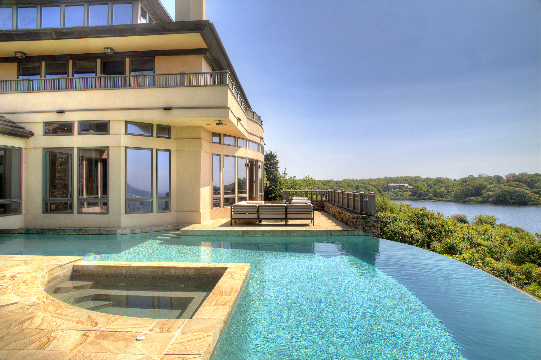 Additional photo for property listing at Stunning Newport Contemporary 20 Ocean Heights Road Newport, Rhode Island 02840 United States