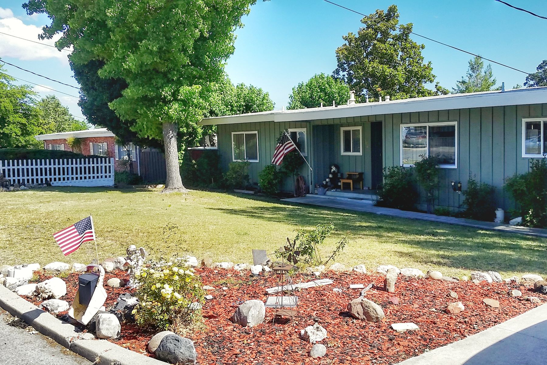 Vivienda unifamiliar por un Venta en Darling 1961 Charmer in Pristine Condition! 642 Cecil Court Paso Robles, California, 93446 Estados Unidos