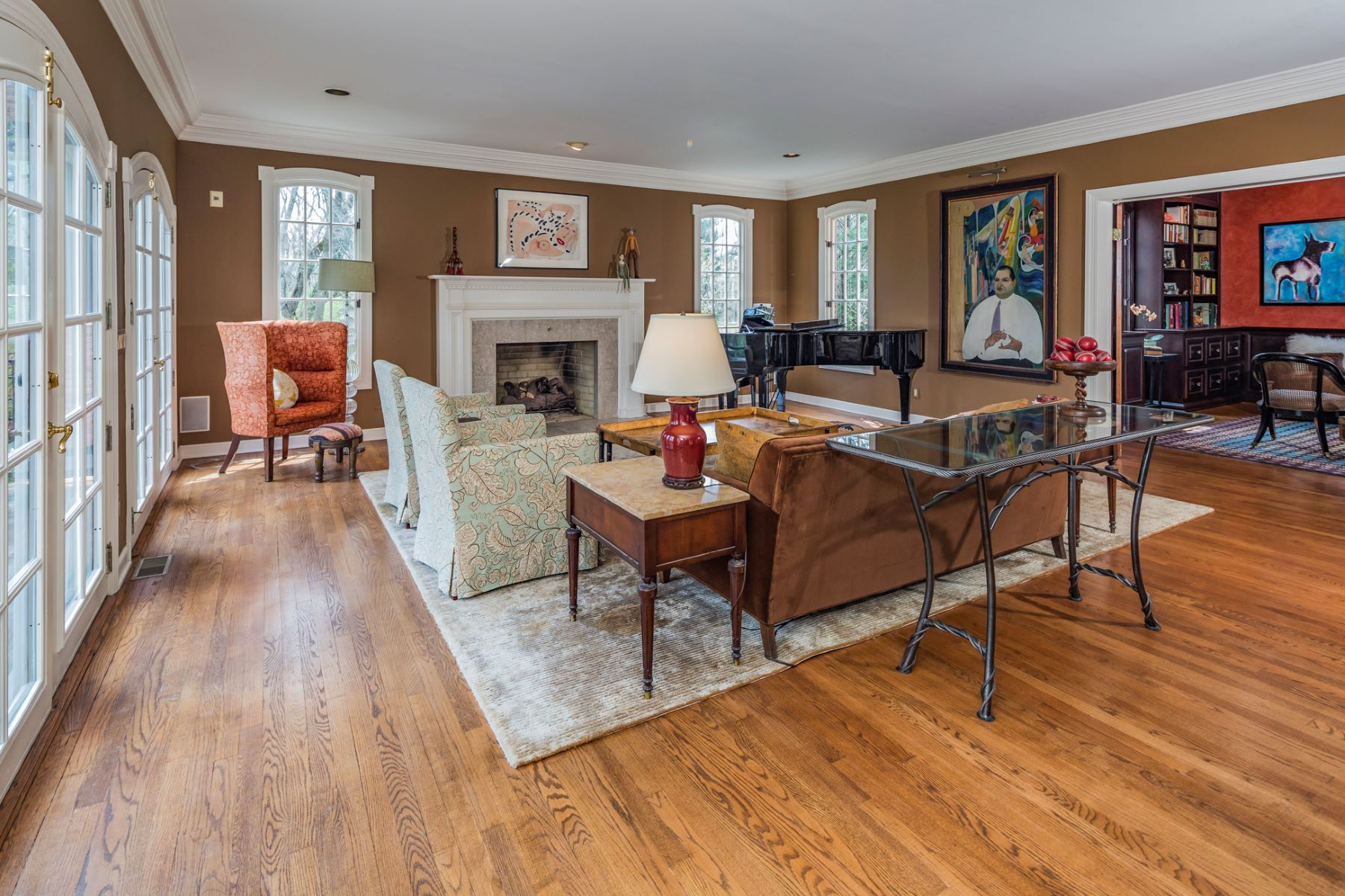 Additional photo for property listing at Elegant Manor House in a Park-Like Setting - Lawrence Township 3 Landfall Lane, Princeton, New Jersey 08540 United States