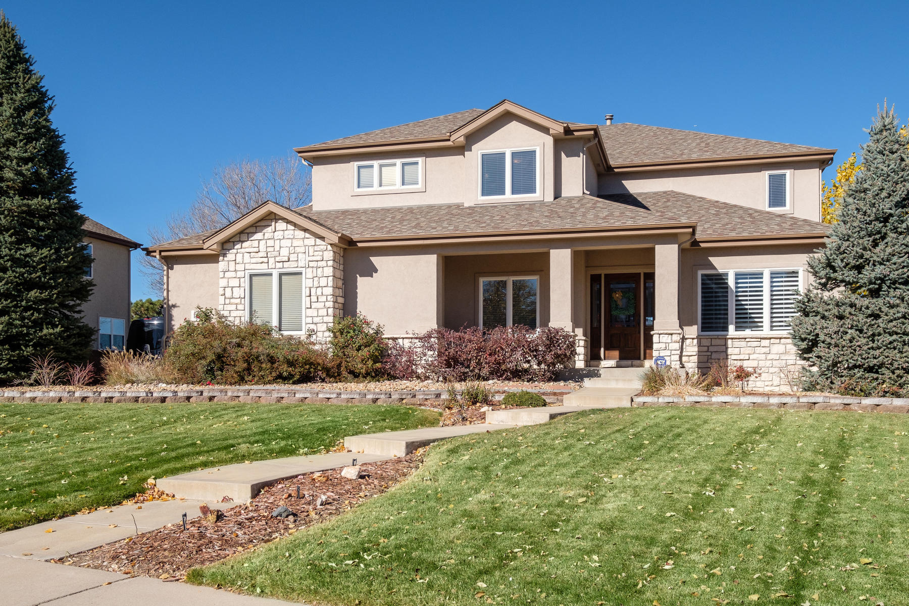 Single Family Home for Active at The perfect floor plan custom built by Virden Homes sitting on 1/3 acres! 1411 Meyerwood Cir Highlands Ranch, Colorado 80129 United States
