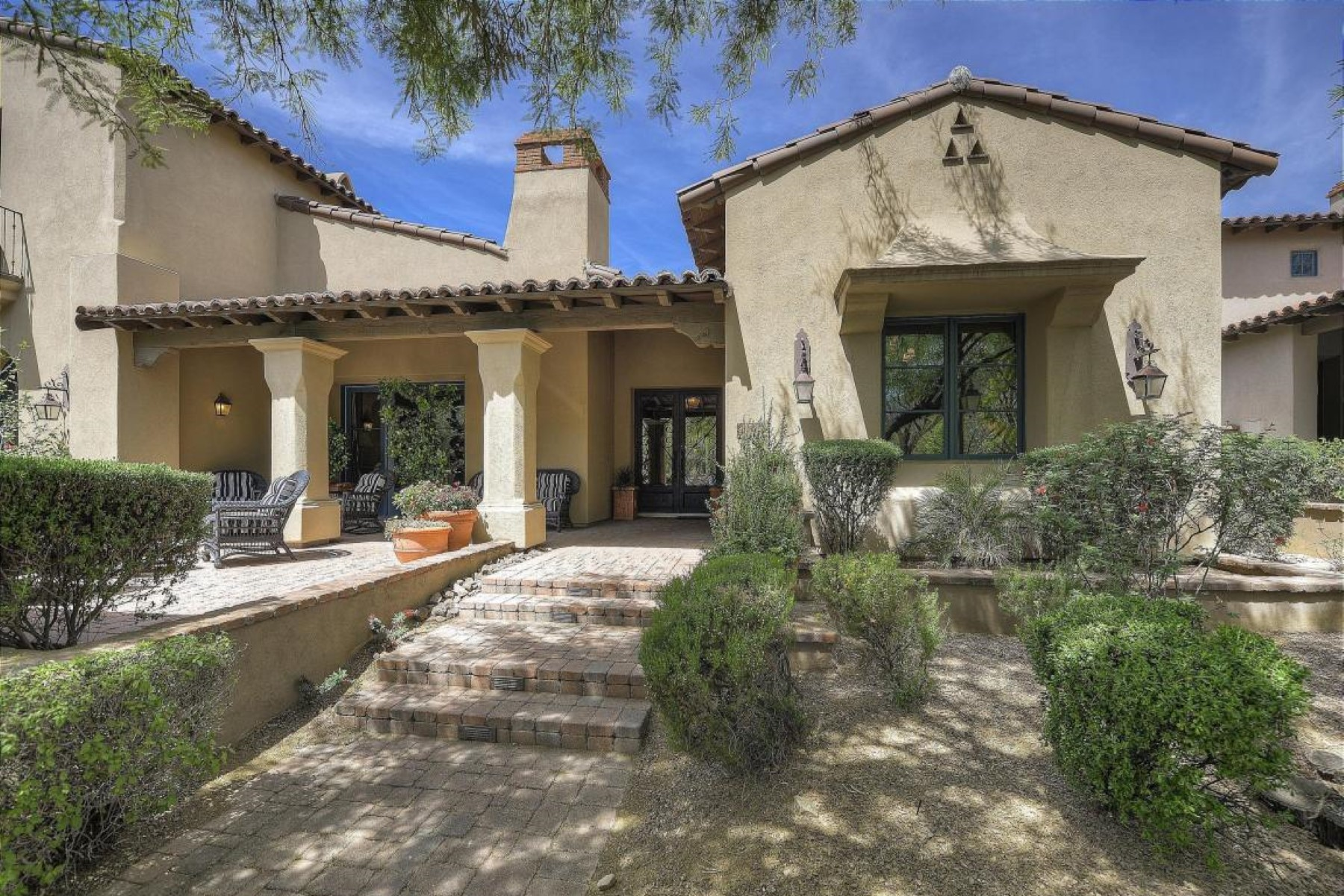 Townhouse for Sale at Gorgeous former Park Villa model located on Jacaranda Park 19992 N 101st Pl Scottsdale, Arizona 85255 United States