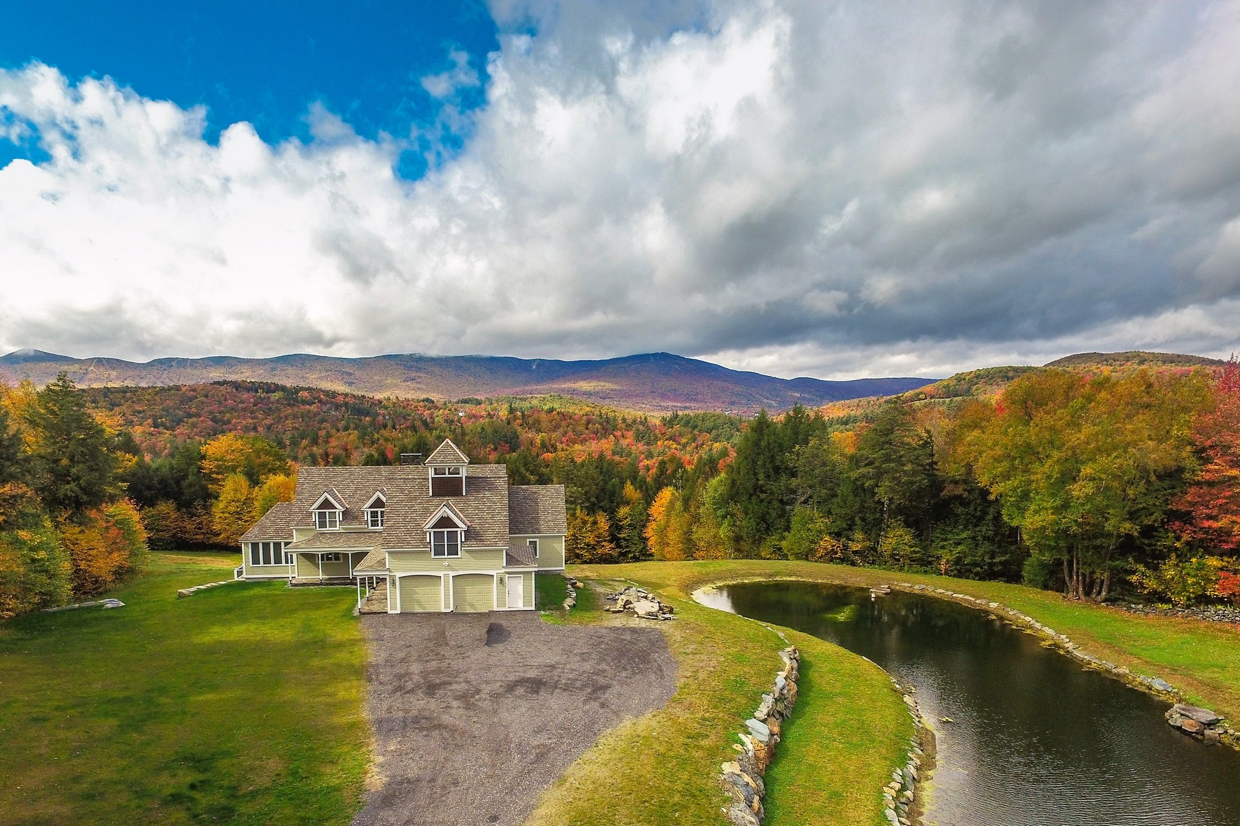 Single Family Homes for Sale at Exceptional Davis Frame on 112+ Acres 45 Negus Road NR005B Dover, Vermont 05356 United States