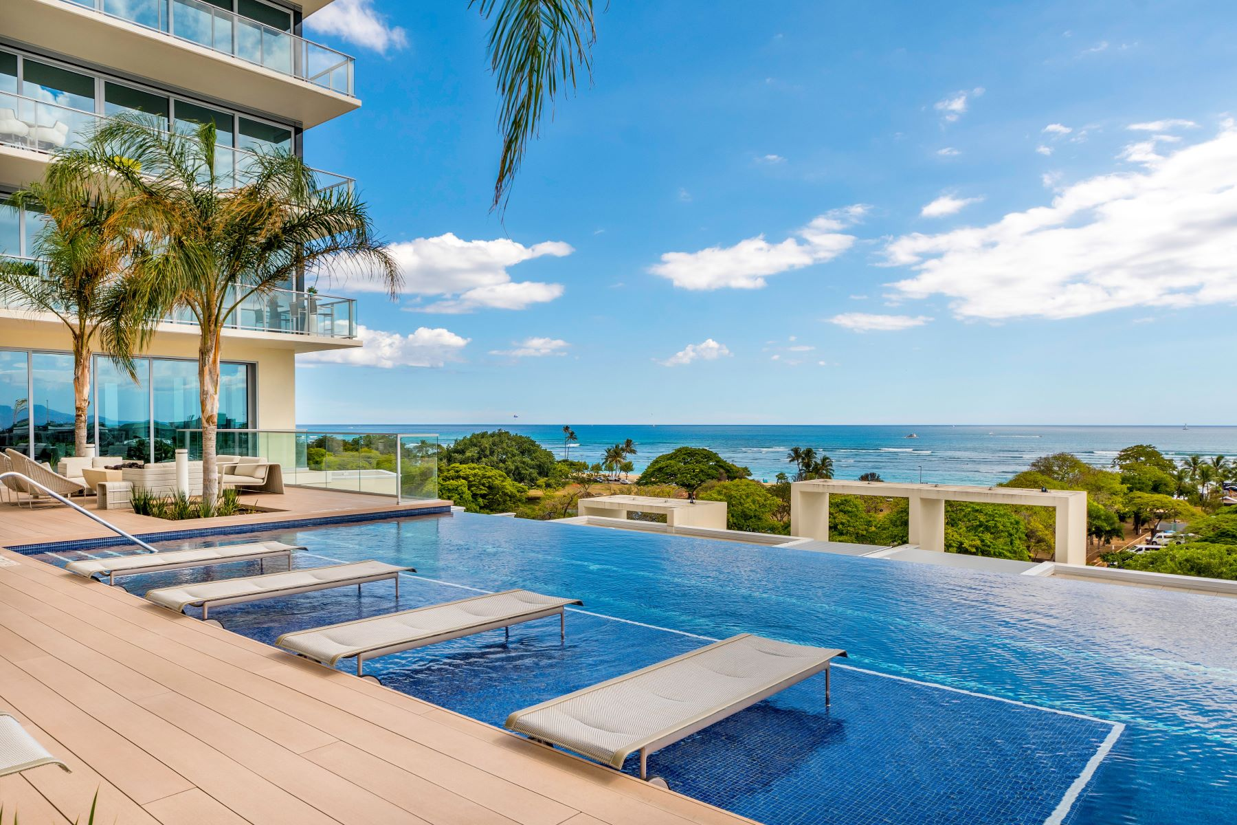 Condominiums 용 매매 에 Waiea, Luxury Condo, High Rise Condo, Ocean View, Kakaako 1118 Ala Moana Blvd #2206, Honolulu, 하와이 96814 미국