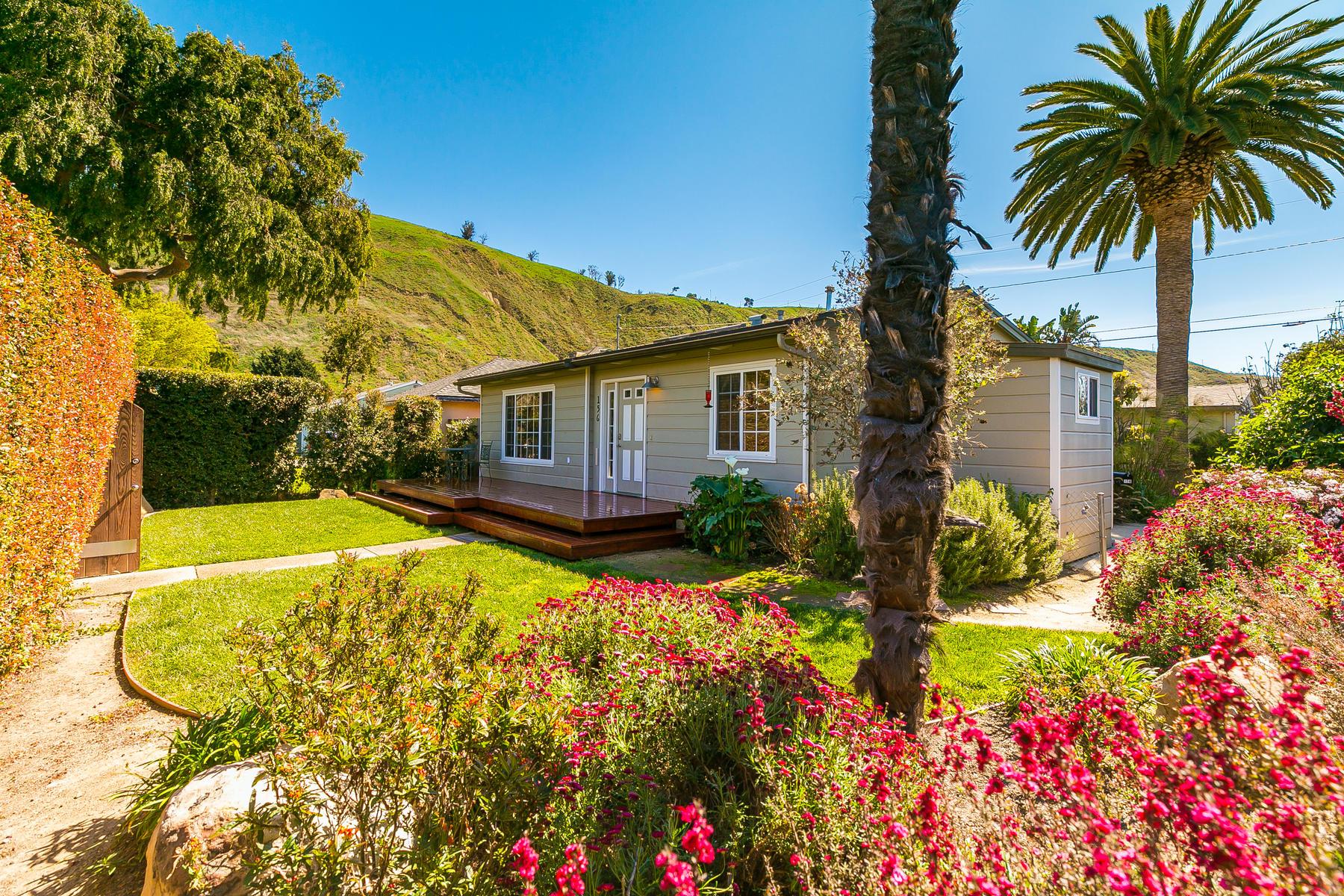 Single Family Homes para Venda às 156 Carr Drive, Ventura, Califórnia 93001 Estados Unidos