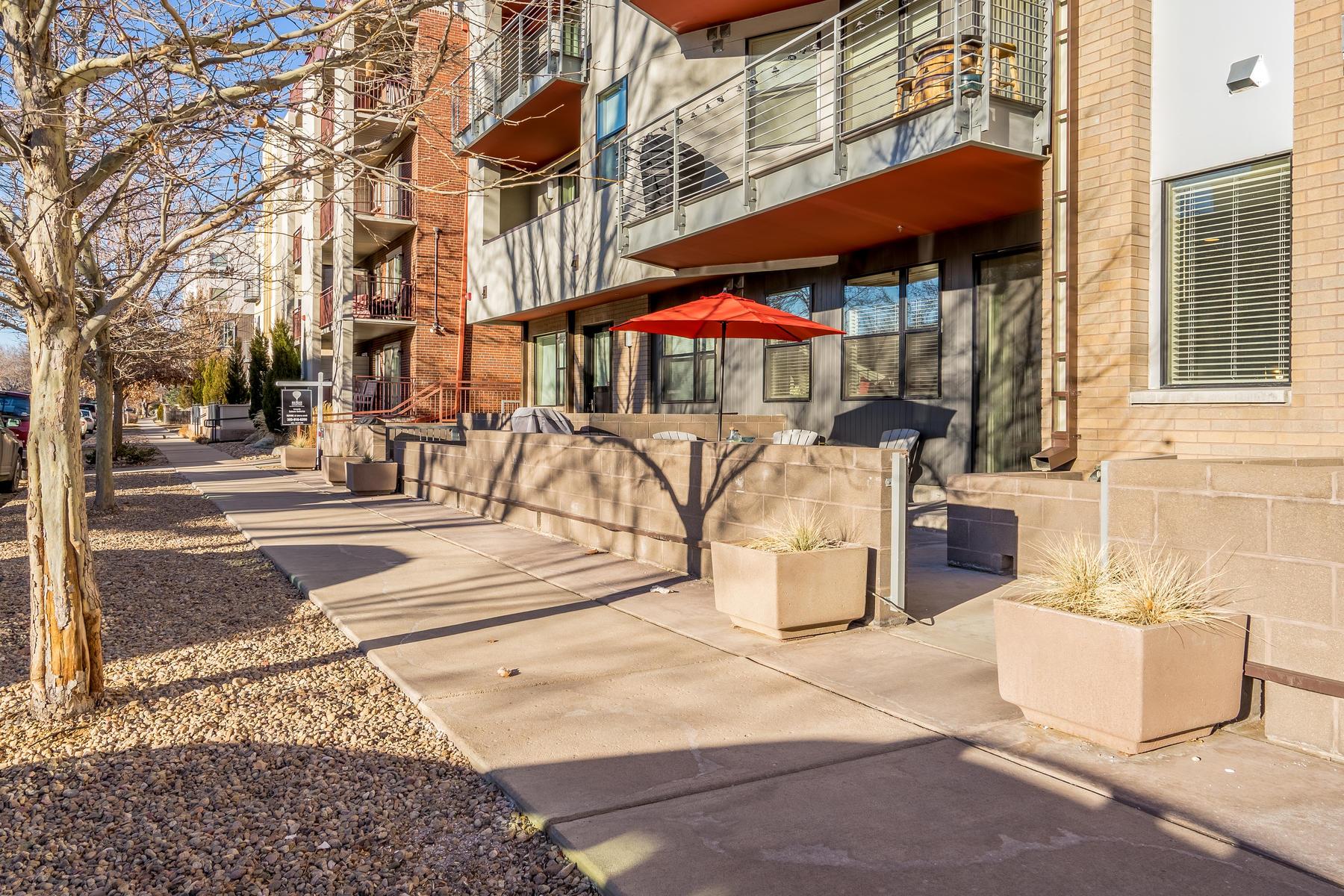 """واحد منزل الأسرة للـ Sale في There's """"living near Wash Park,"""" and then there's """"living two blocks north"""" 360 S Lafayette St #102, Denver, Colorado, 80209 United States"""