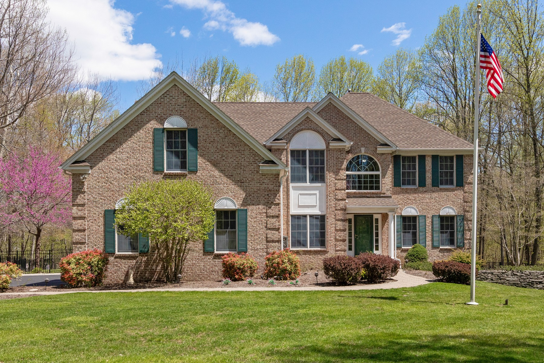 Single Family Homes for Sale at Classic Colonial 9 Wellington Drive Long Valley, New Jersey 07853 United States