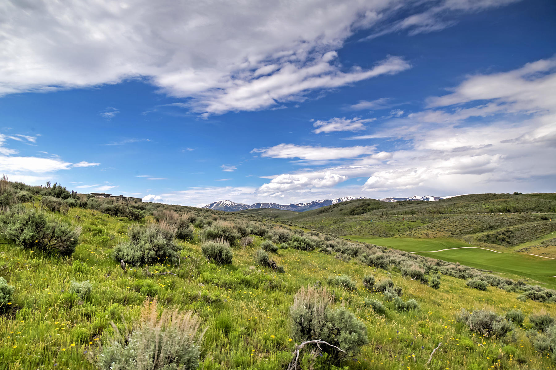 Additional photo for property listing at Beautiful Nick Villa Looking Over Painted Valley Golf Course 6825 Golden Bear Loop West Lot #50 Park City, Юта 84098 Соединенные Штаты