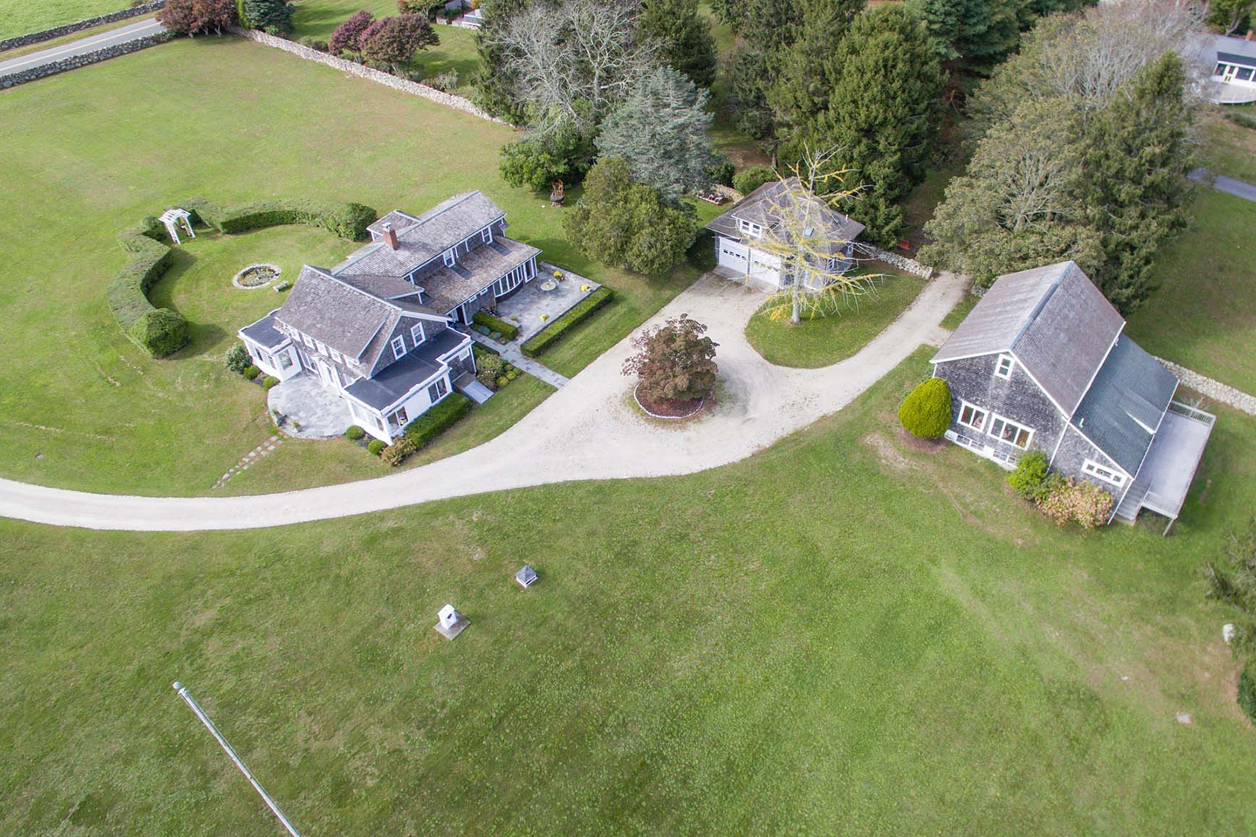 Additional photo for property listing at 564 River Road, Westport 564 River Rd Westport, Massachusetts 02790 United States
