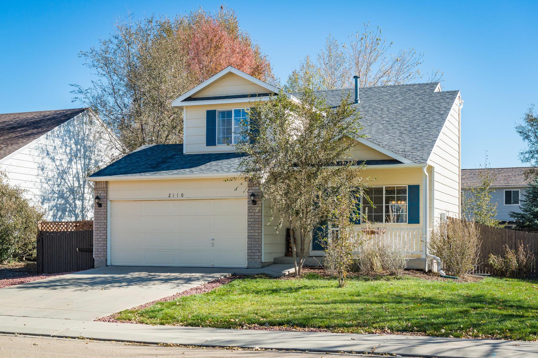 Single Family Home for Active at 2110 Astoria Lane 2110 Astoria Lane Longmont, Colorado 80504 United States