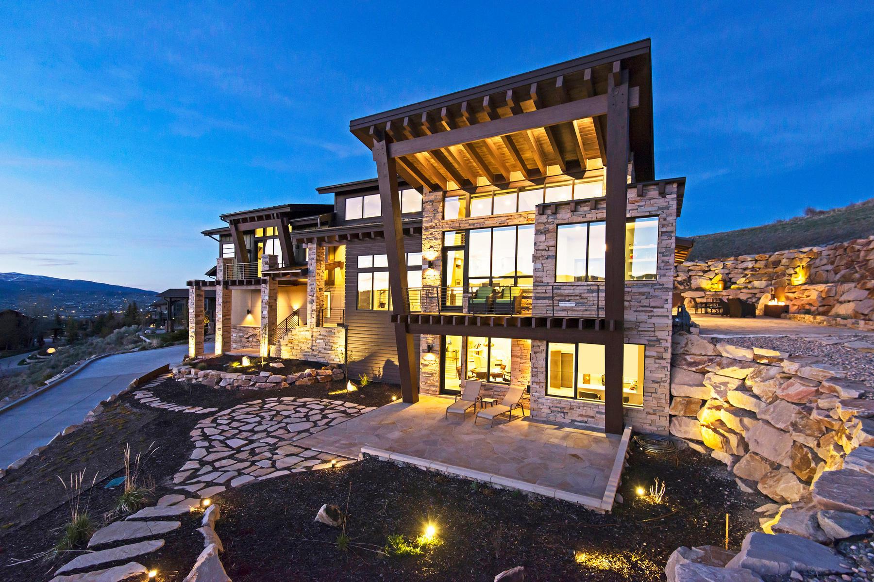 Maison unifamiliale pour l Vente à Stunning Contemporary Home 5690 Aidan Ct Park City, Utah, 84098 États-Unis