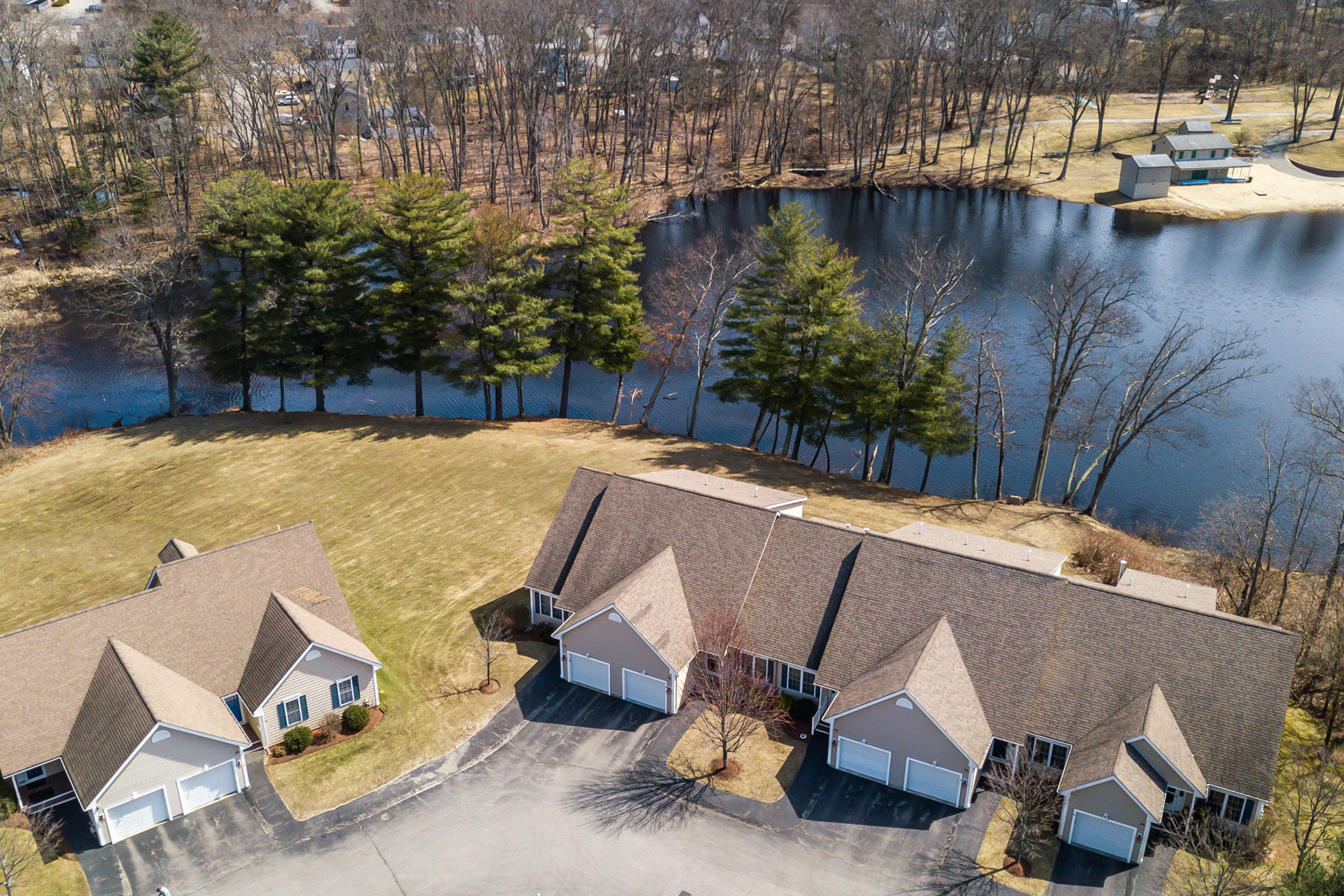Single Family Home for Sale at 71 N High Street 5, Derry 71 N High St 5 Derry, New Hampshire 03038 United States