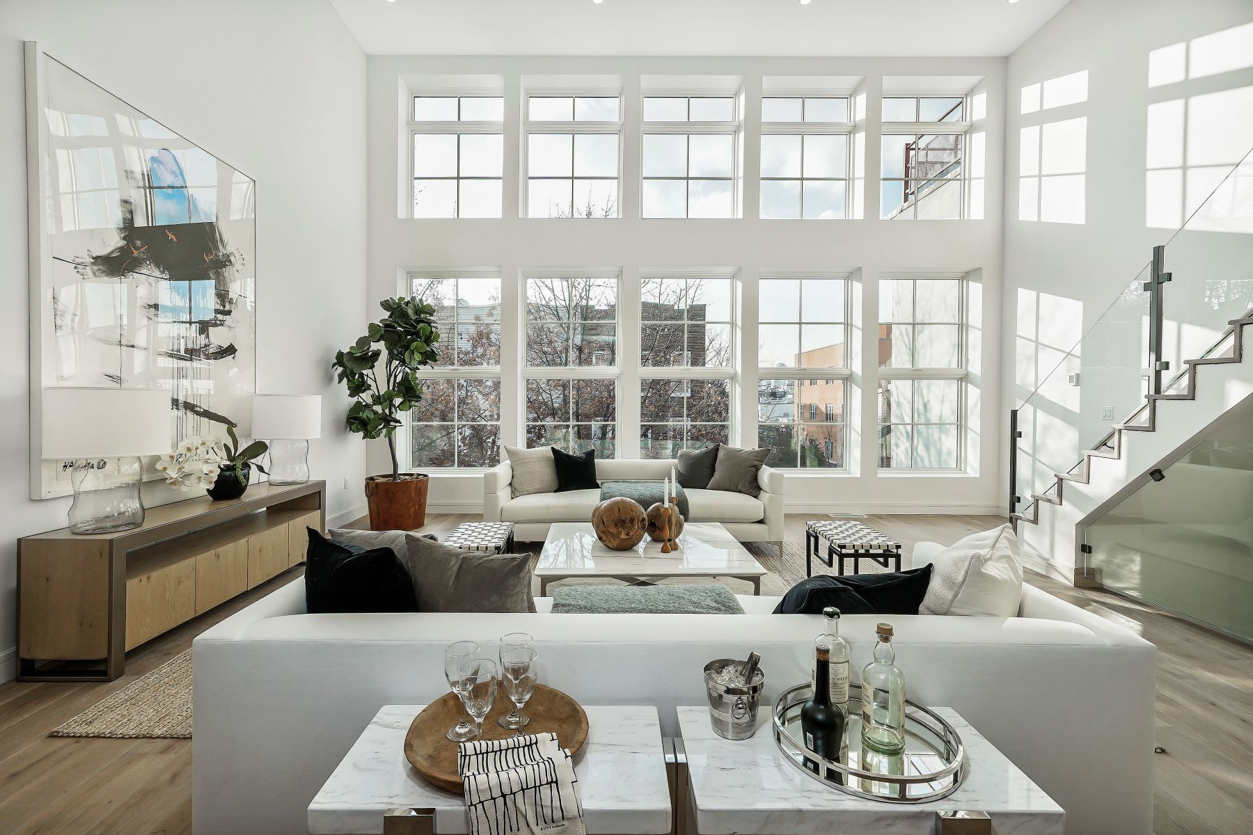 Condominiums por un Venta en 102 Huron St Greenpoint 102 Huron Street 3B Brooklyn, Nueva York 11222 Estados Unidos