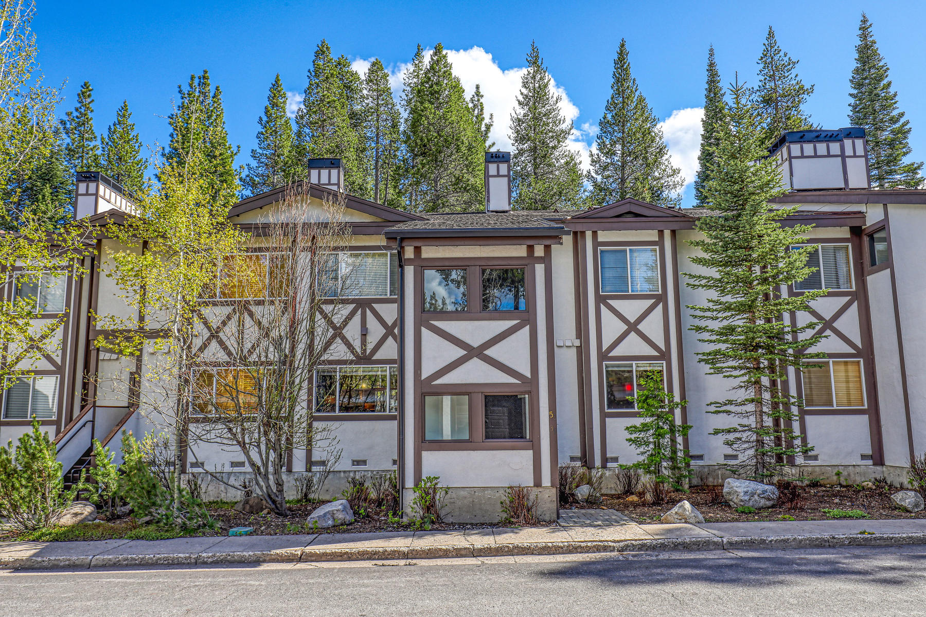 Condominiums for Active at Tavern Inn condo 227 Squaw Valley Road, Unit #39 Olympic Valley, California 96146 United States