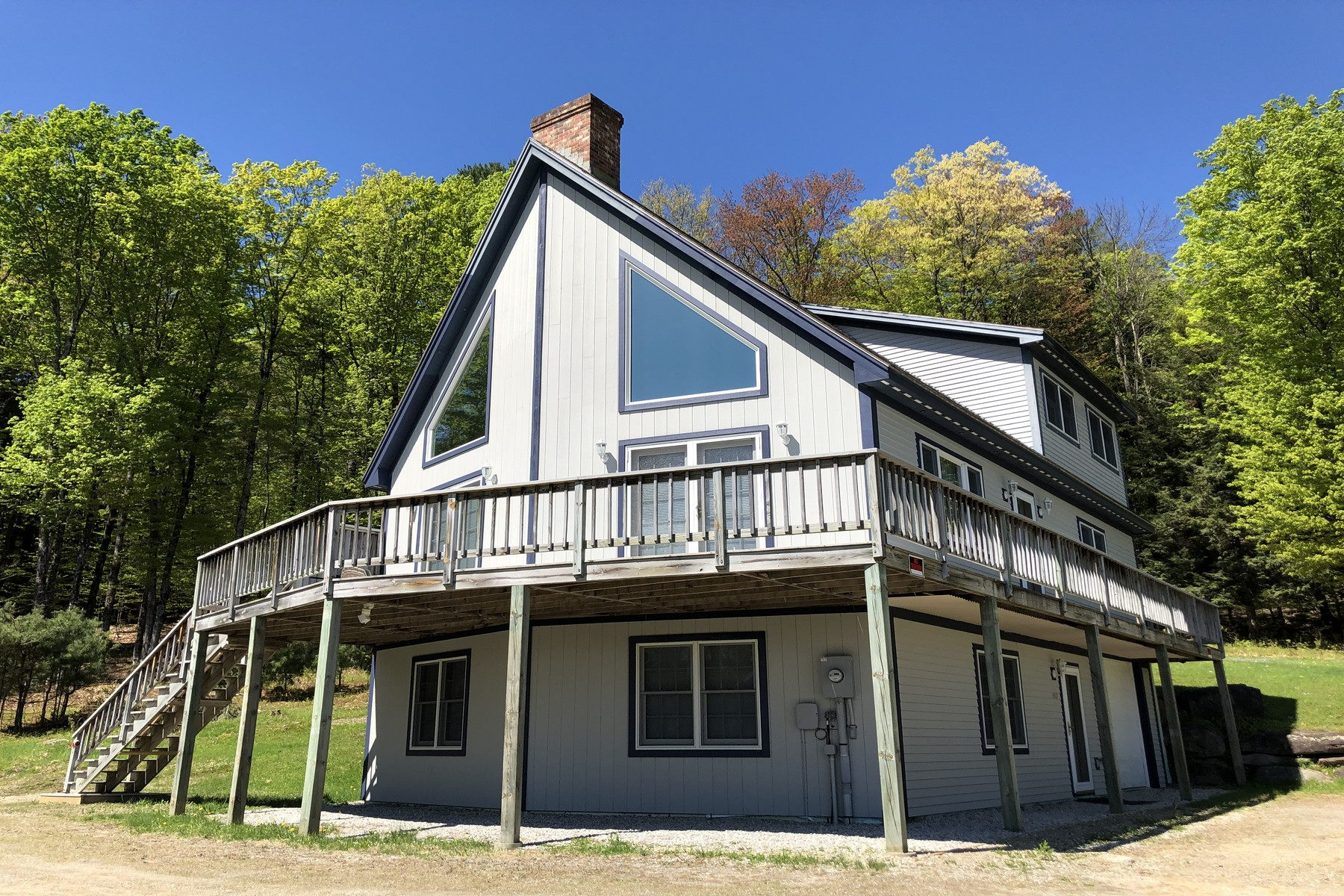 single family homes for Sale at Beautifully Maintained Crown Point Construction 607 Marcs Dr Chester, Vermont 05143 United States