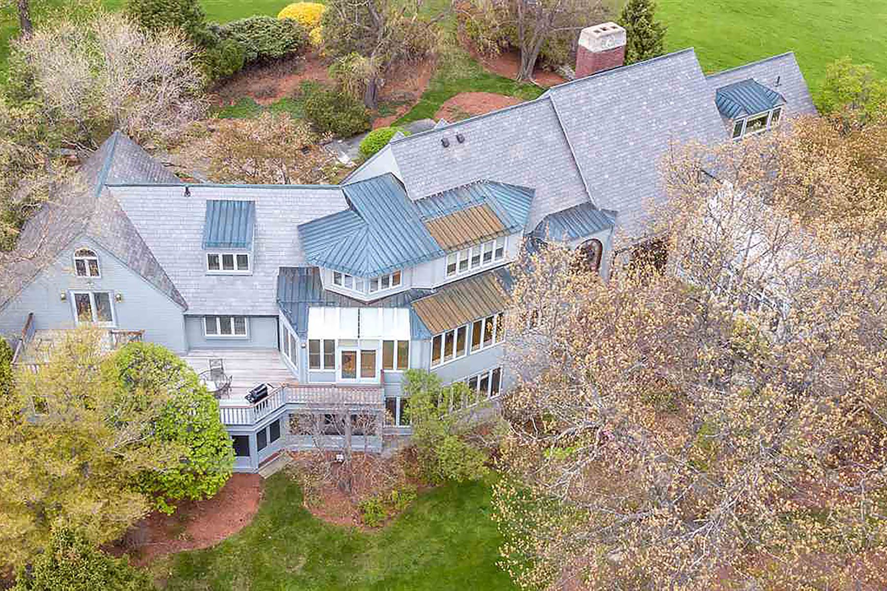 Single Family Homes for Active at 18 Chestnut Hill Road Amherst, New Hampshire 03031 United States