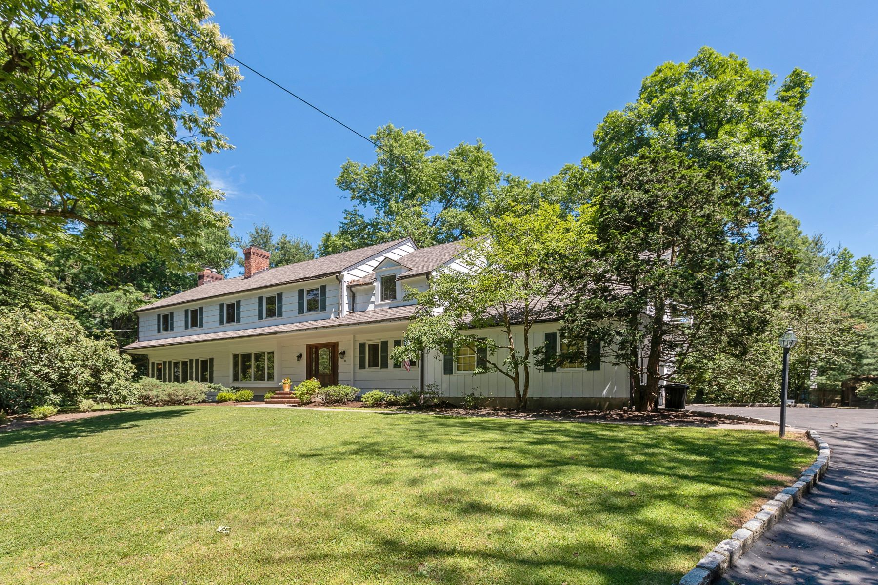 Single Family Home for Sale at Classic Colonial 18 Timber Acres Road, Short Hills, New Jersey 07078 United States