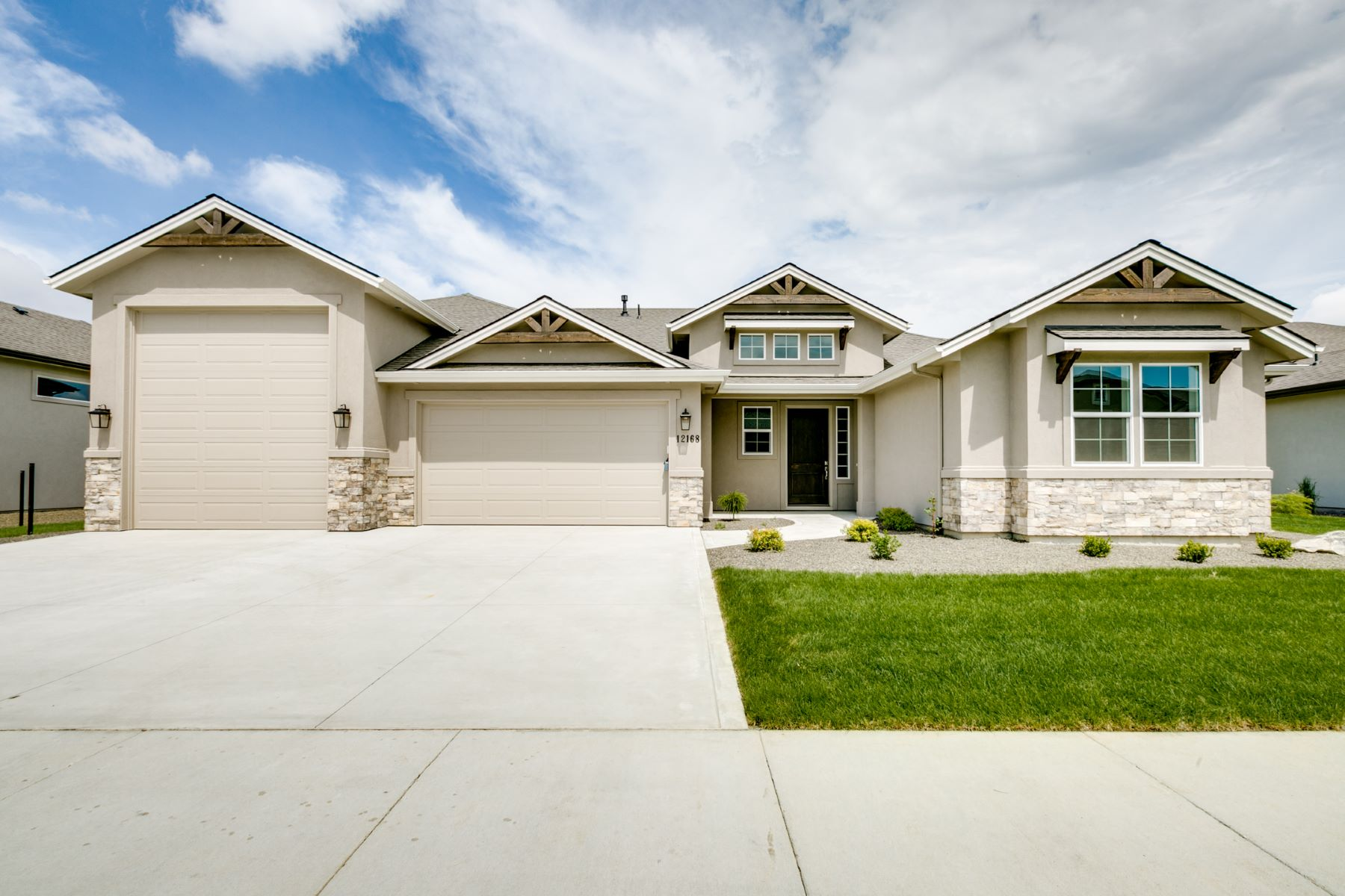 Single Family Homes for Active at 12299 Craftsman Street Star, Idaho 83669 United States