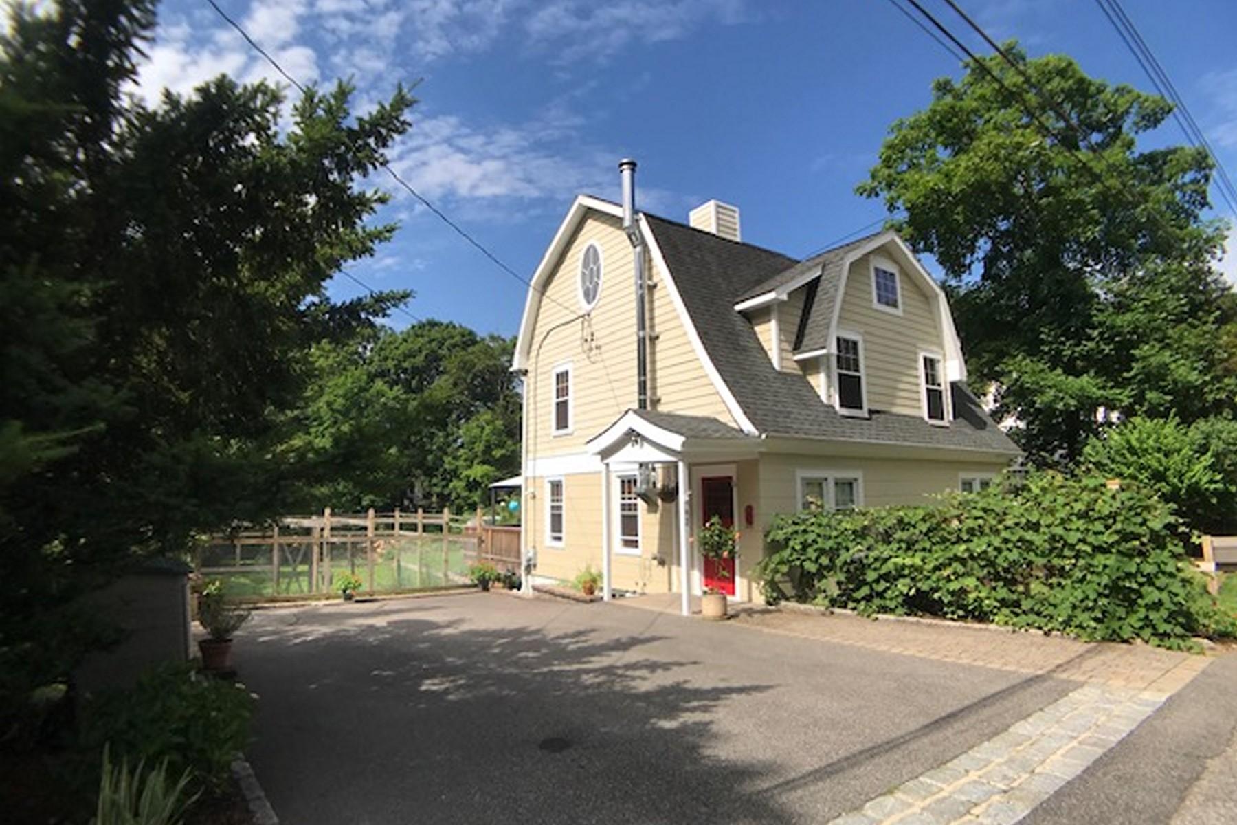 Single Family Homes für Verkauf beim Tuscany in Chappaqua! 92 Ridgewood Terrace, Chappaqua, New York 10514 Vereinigte Staaten