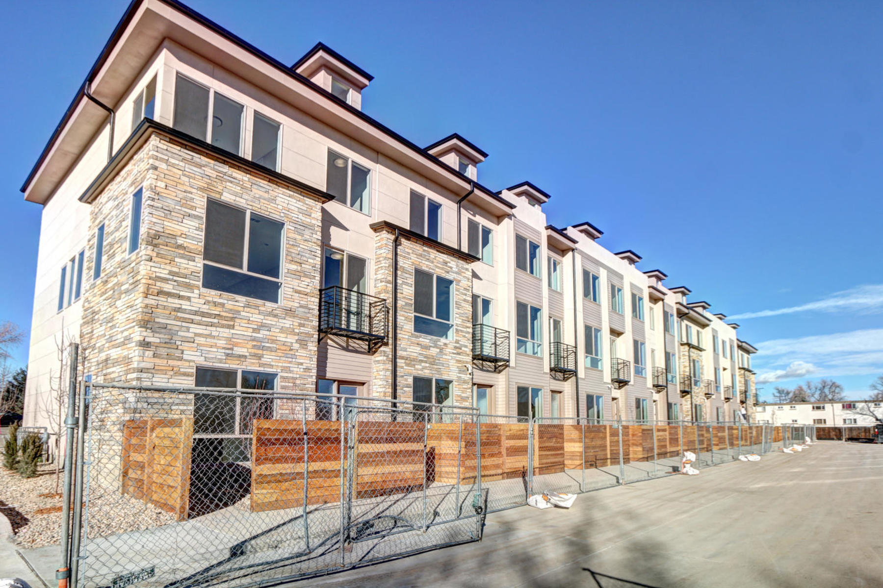 Townhouse for Active at New Townhome With Killer City View 1915 Eaton St Lakewood, Colorado 80214 United States