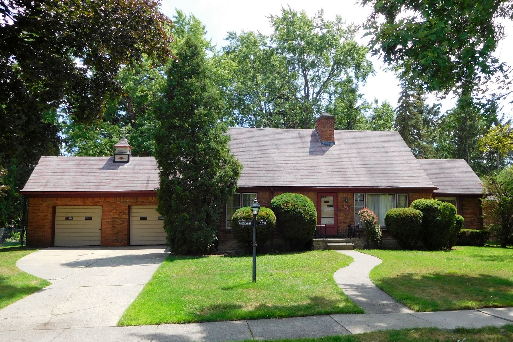Single Family Home for Sale at Lathrup Vlg 18831 Bungalow Dr Southfield, Michigan, 48076 United States
