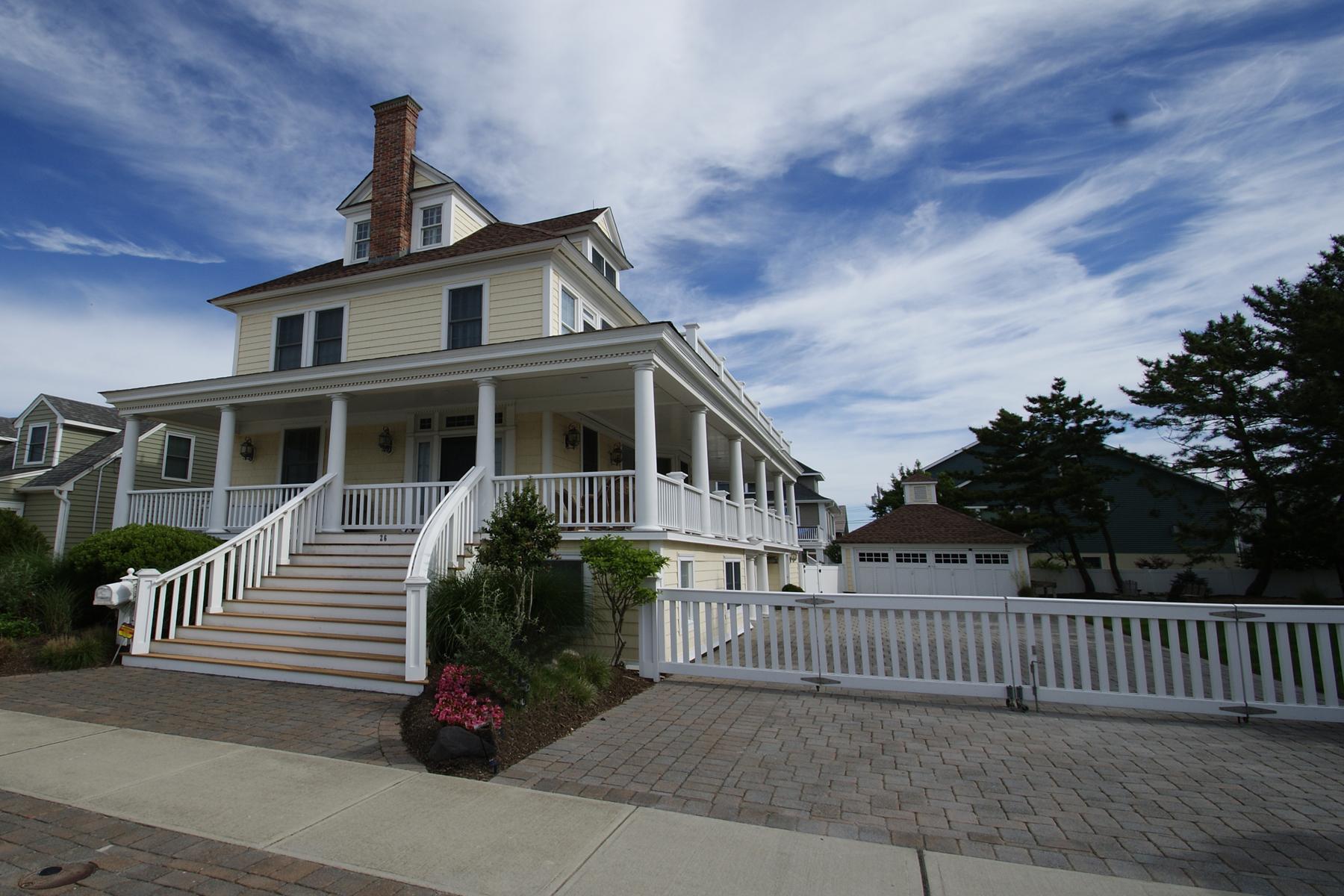独户住宅 为 销售 在 Elegant Oceanblock Home - Exquisite Craftsmanship 26 7th Ave Seaside Park, 08752 美国