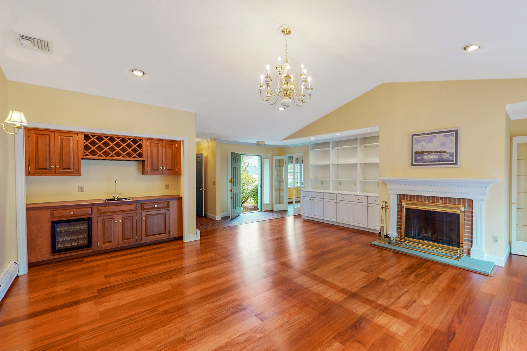 Condominiums for Sale at Single Level Condo in Quiet Community 115 Young Drive Portsmouth, Rhode Island 02871 United States