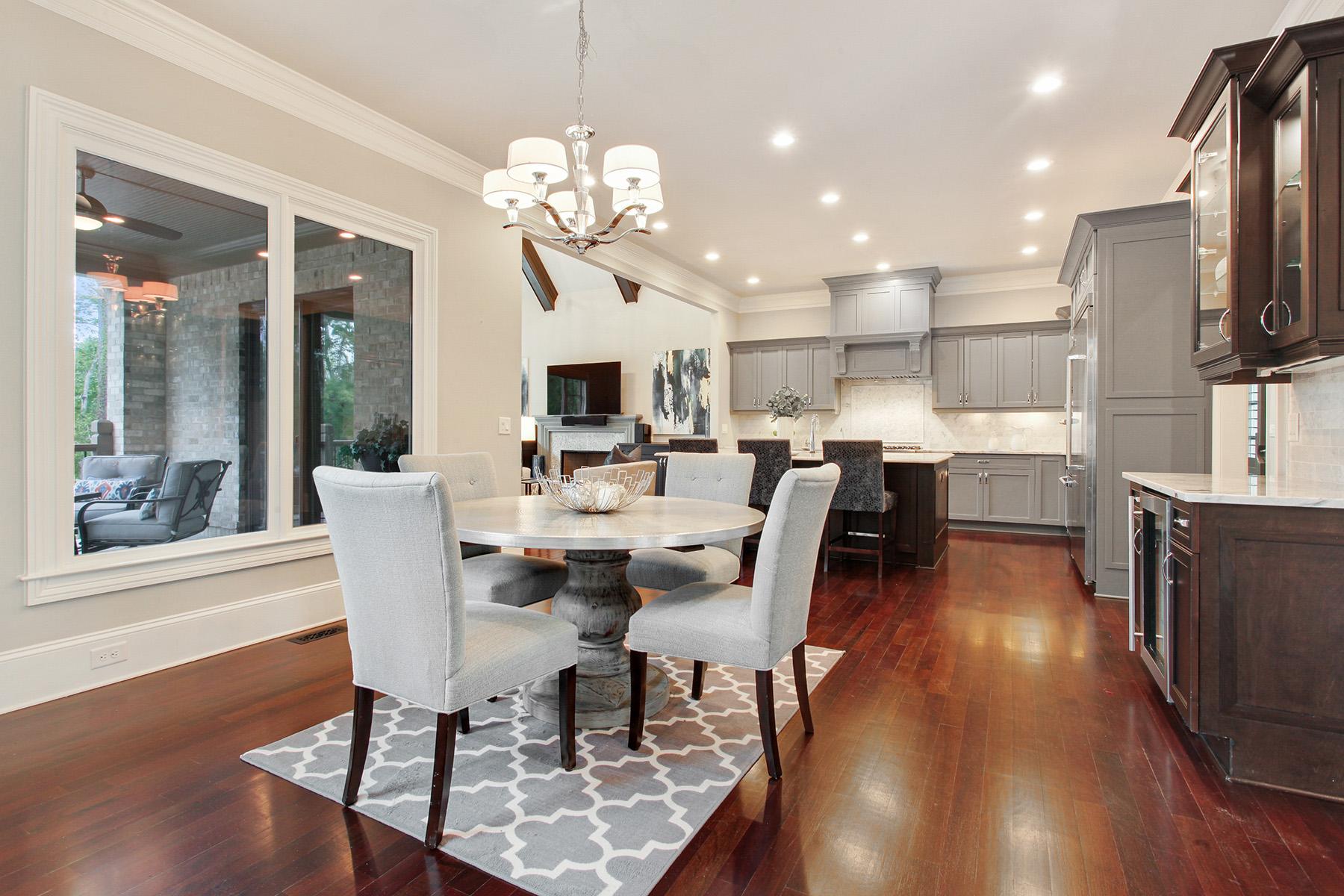 Additional photo for property listing at Elegant Estate In Acworth 4401 Oglethorpe Loop NW, Acworth, Georgia 30101 Stati Uniti