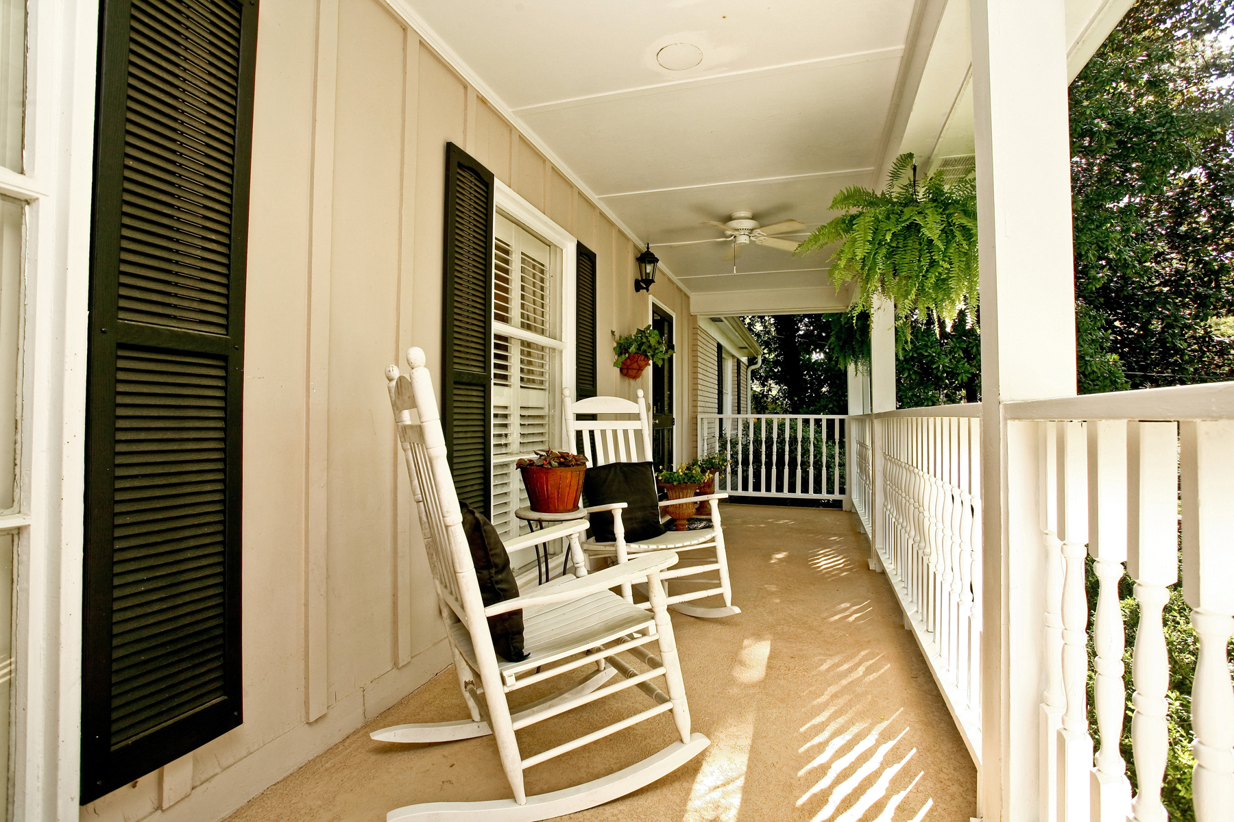 rentals property at Charming Ranch In Meadowbrook