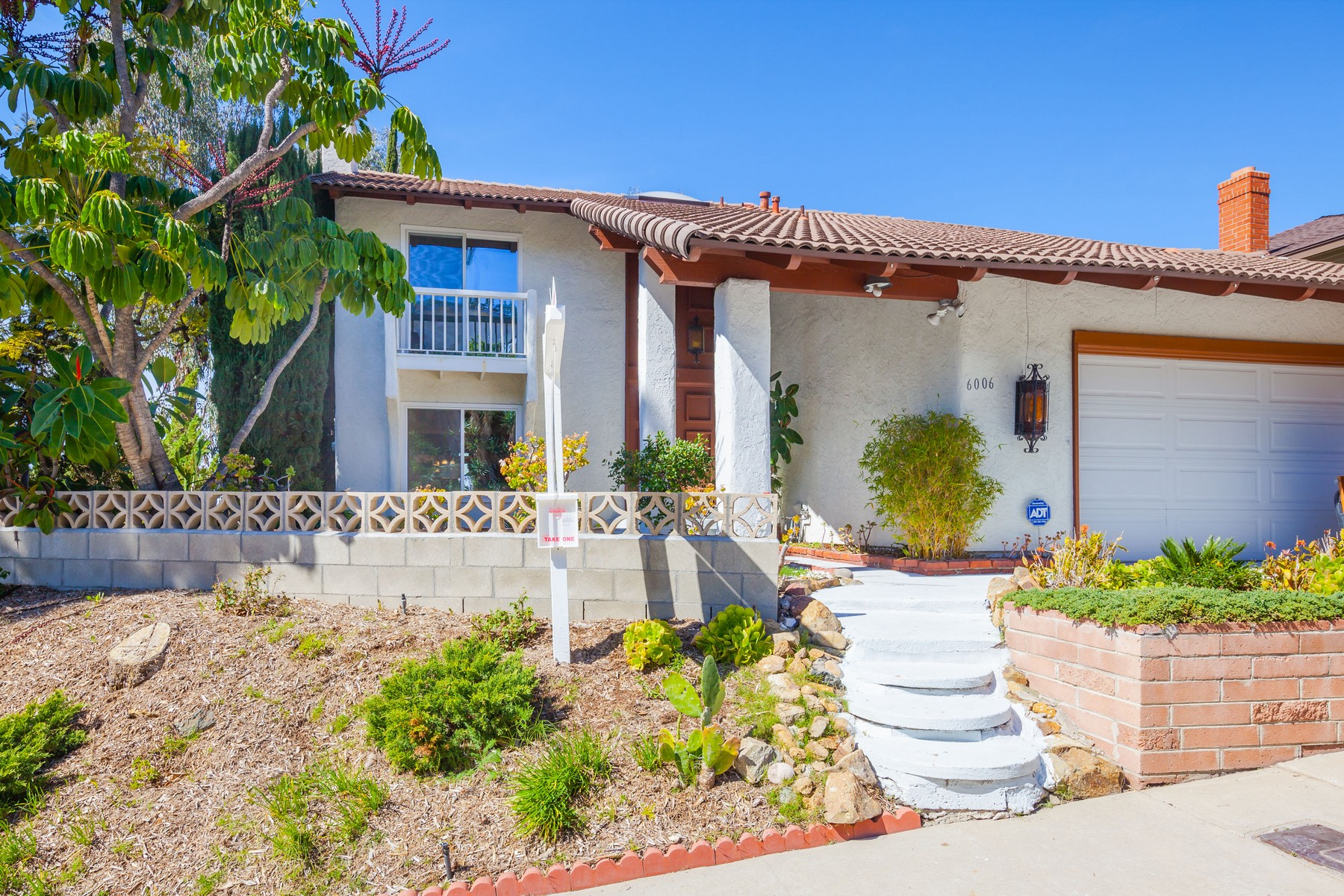 Single Family Home for Sale at 6006 Camino Largo San Diego, California 92120 United States