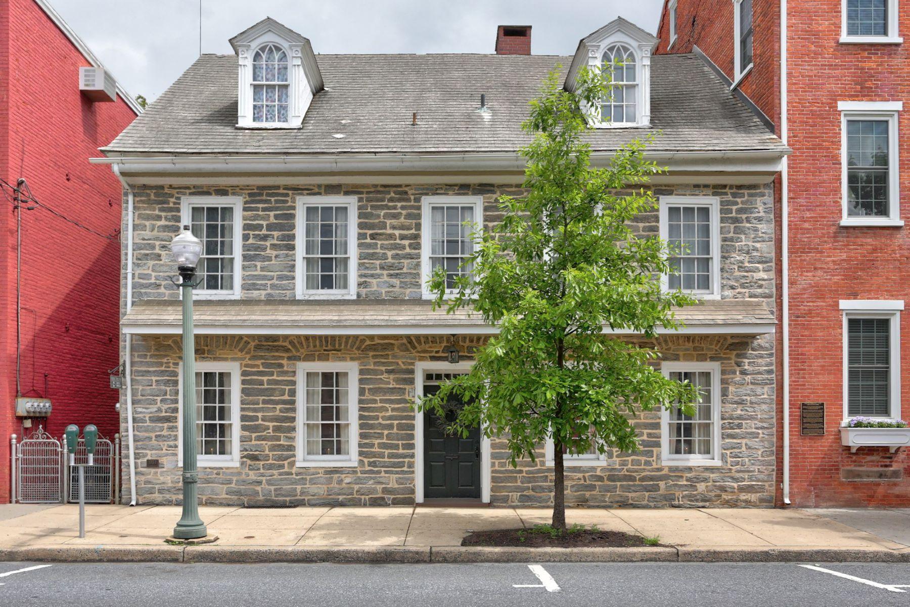 Casa Unifamiliar por un Venta en 121 E Main Street 121 E Main Street Lititz, Pennsylvania 17543 Estados Unidos