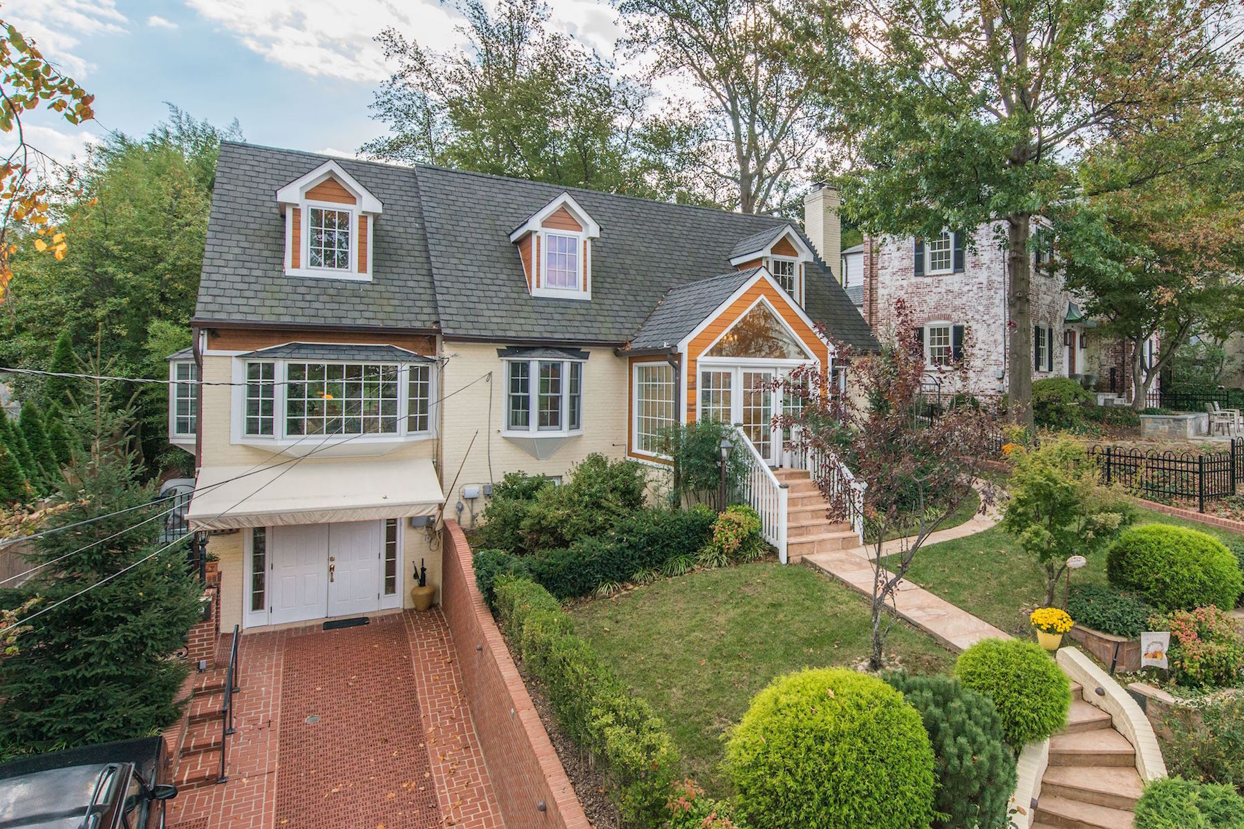 Single Family Home for Rent at Belle Haven 6005 Grove Dr Alexandria, Virginia 22307 United States