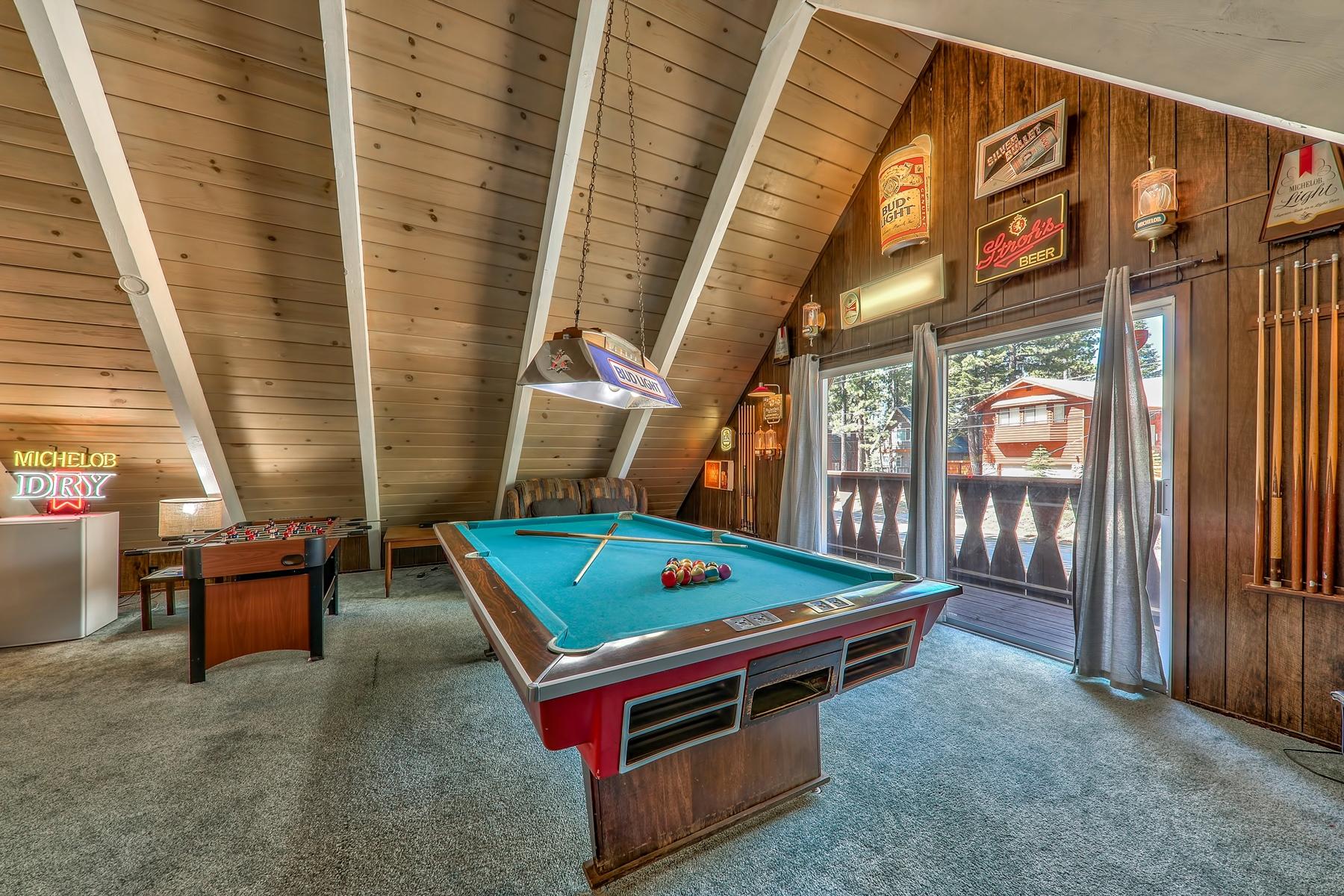 Additional photo for property listing at 1945 Koyukon Drive, South Lake Tahoe, CA 96150 1945 Koyukon Drive South Lake Tahoe, California 96150 United States