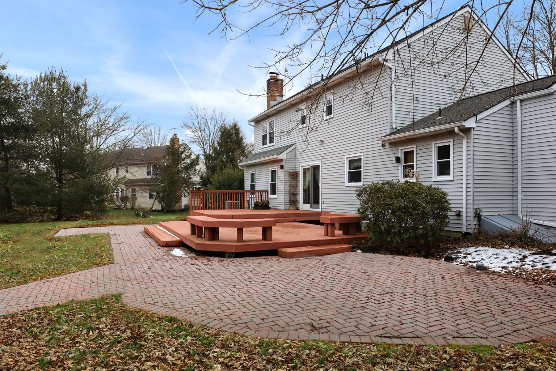 Additional photo for property listing at Dutch Neck Colonial Is the Definition of Home 16 Greenfield Drive South, Princeton Junction, New Jersey 08850 United States
